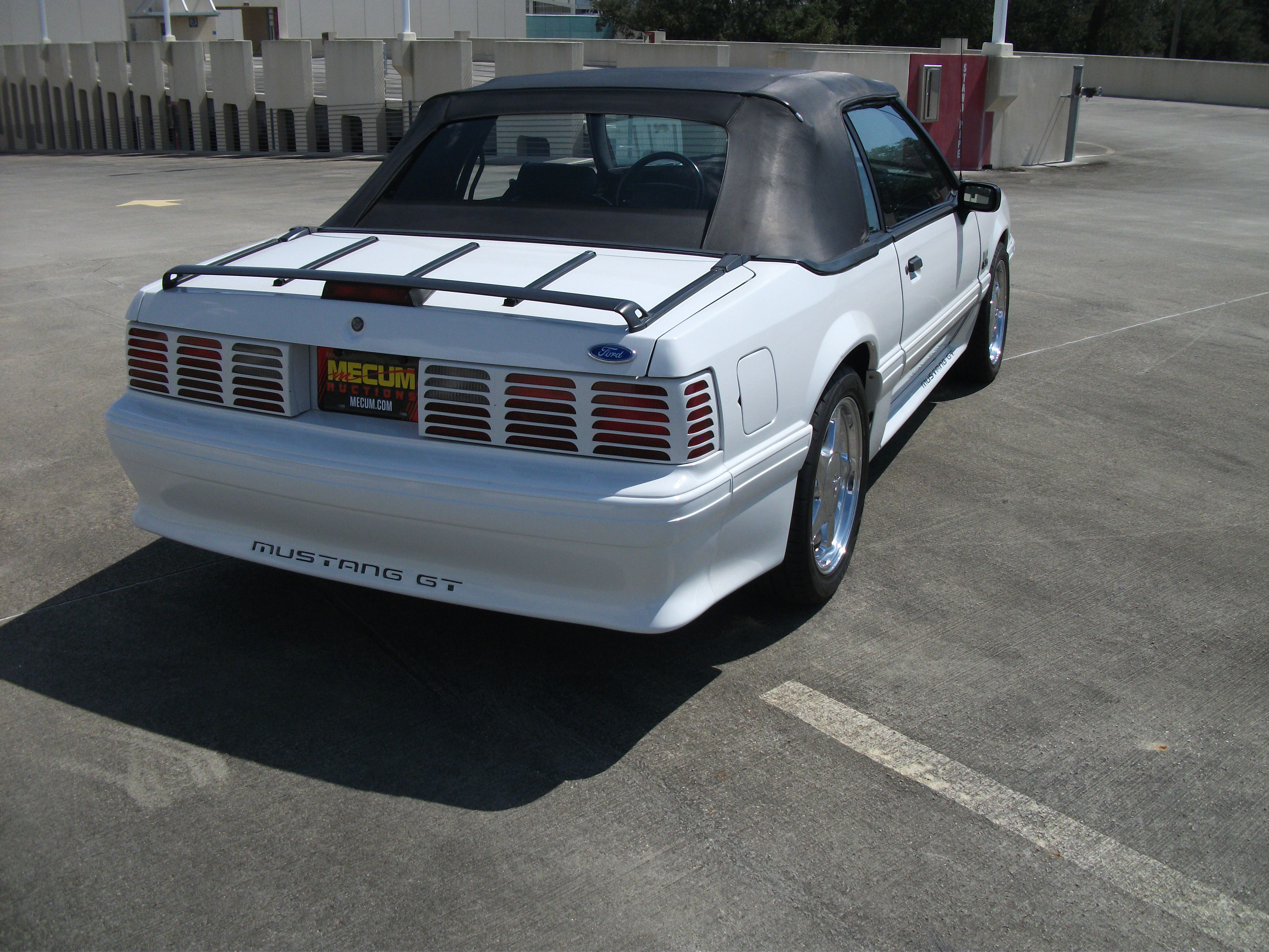 4th Image of a 1990 FORD MUSTANG GT