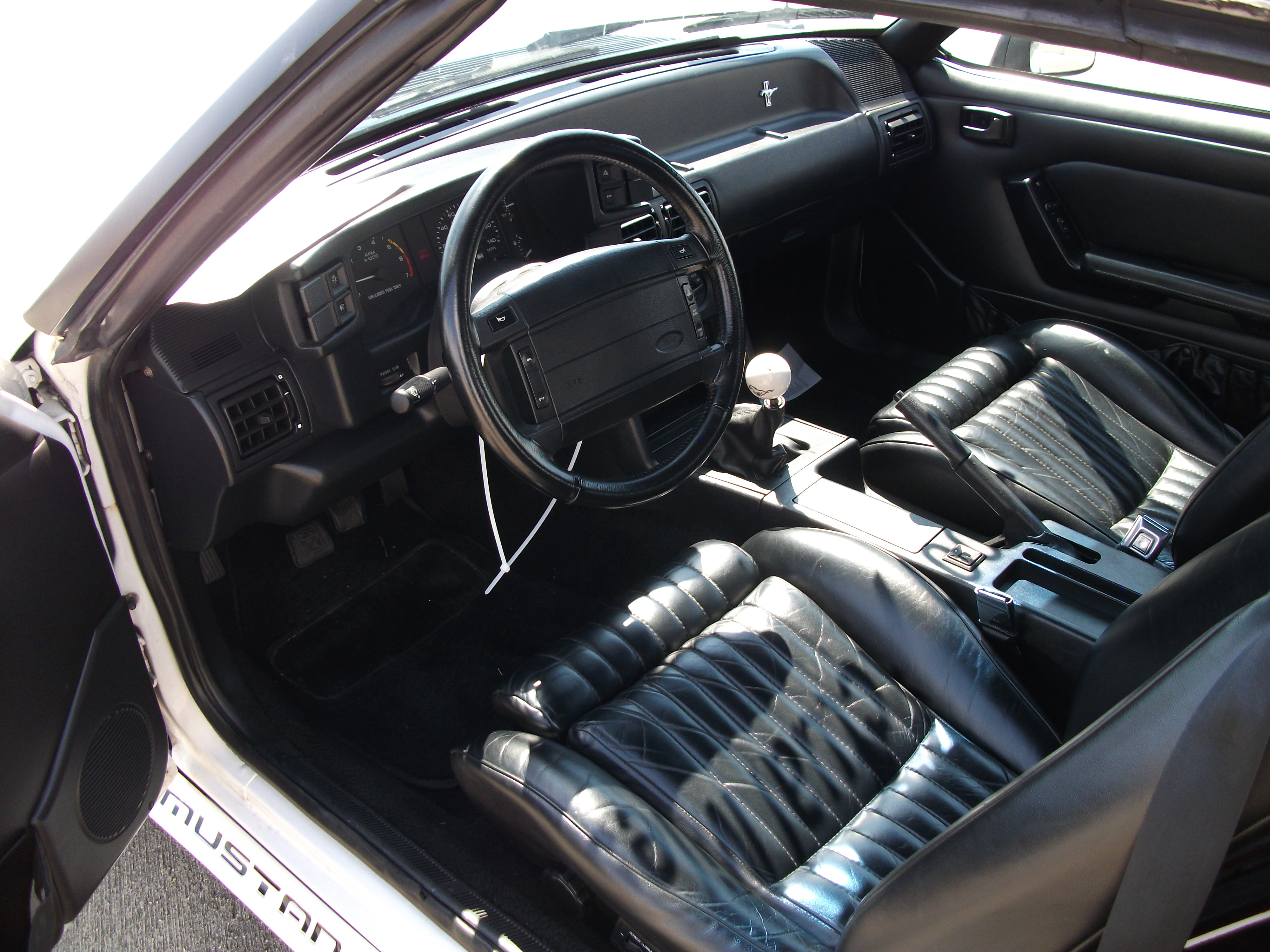 5th Image of a 1990 FORD MUSTANG GT