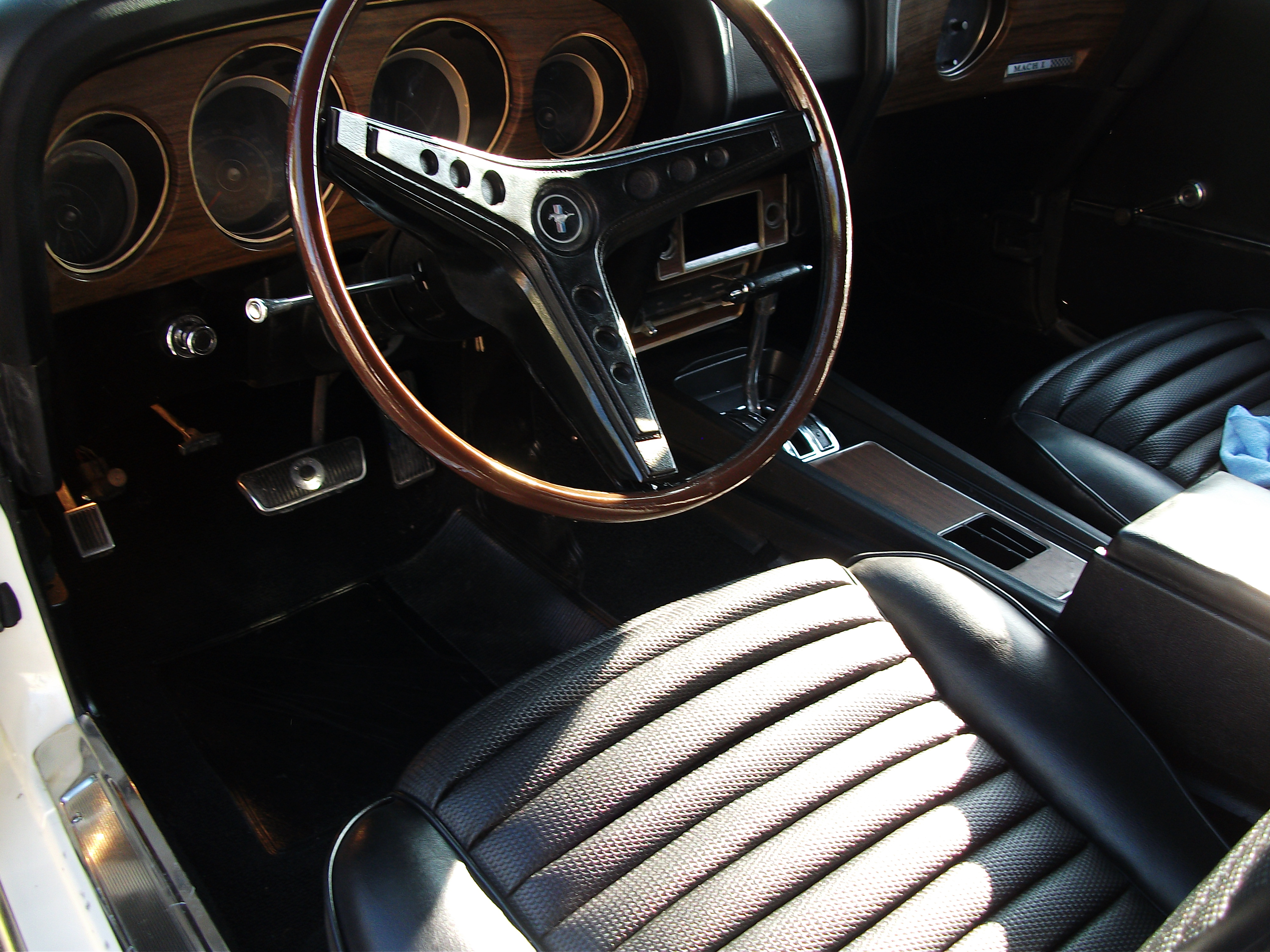 3rd Image of a 1969 FORD COBRA JET MUSTANG