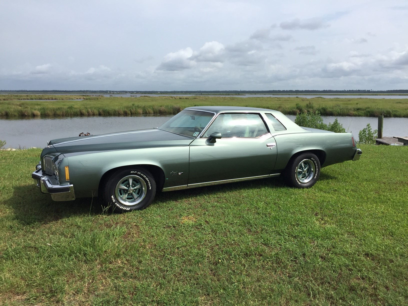 3rd Image of a 1977 PONTIAC GRAND PRIX LJ
