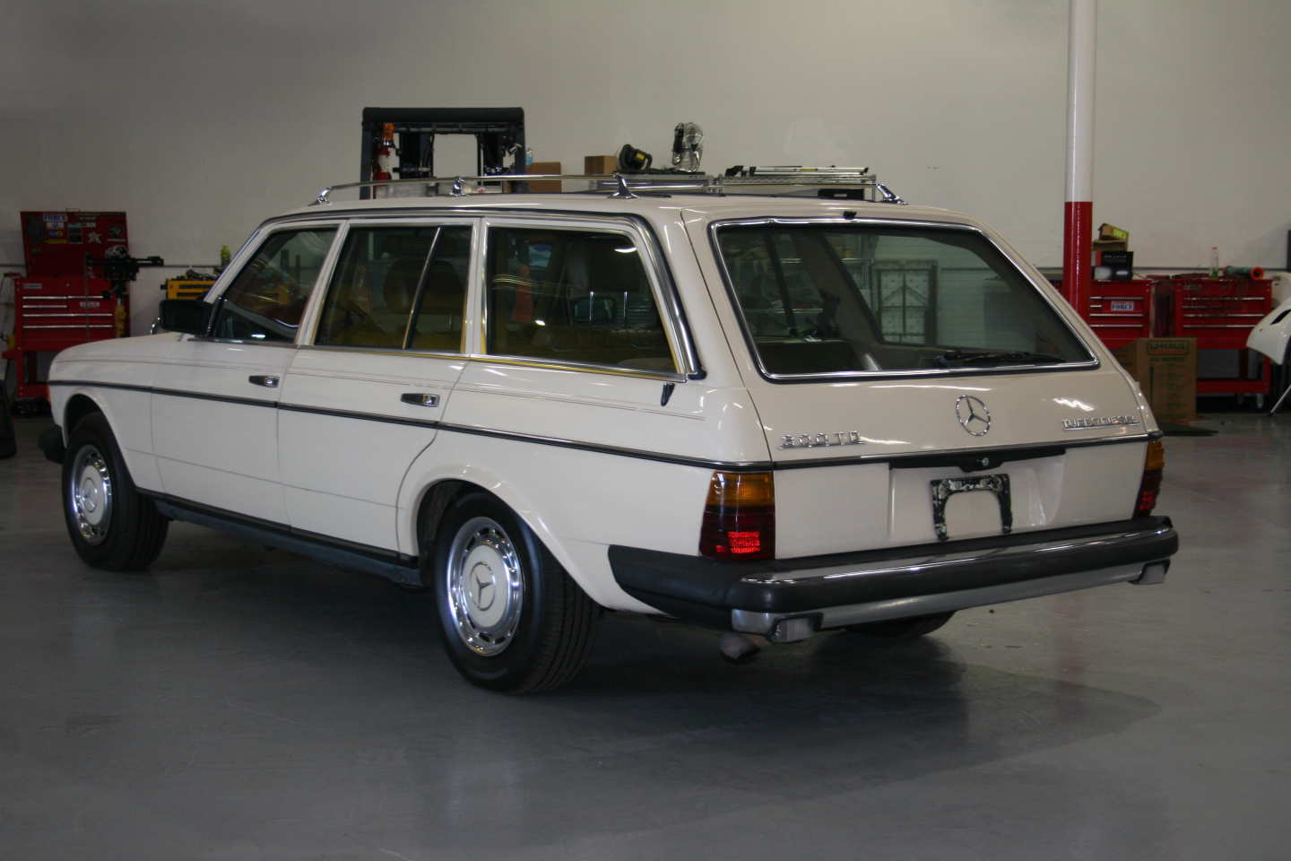 5th Image of a 1985 MERCEDES 300TD