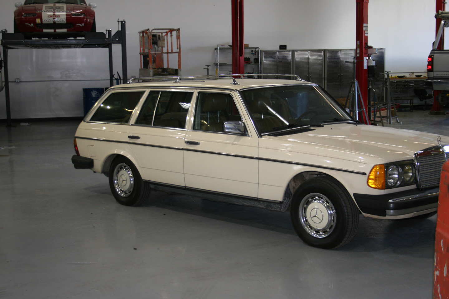9th Image of a 1985 MERCEDES 300TD