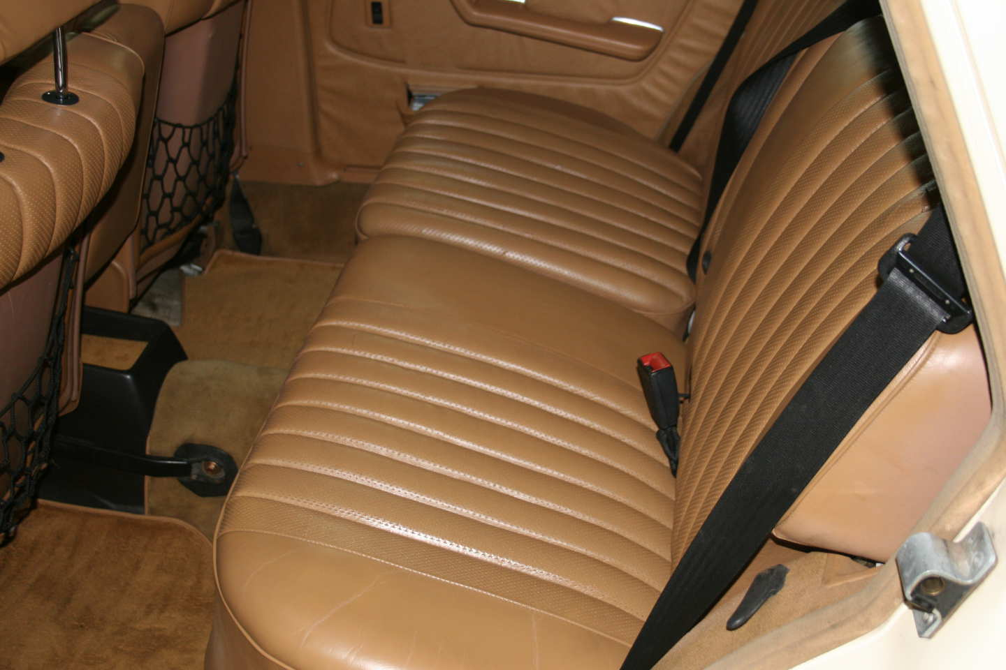 13th Image of a 1985 MERCEDES 300TD