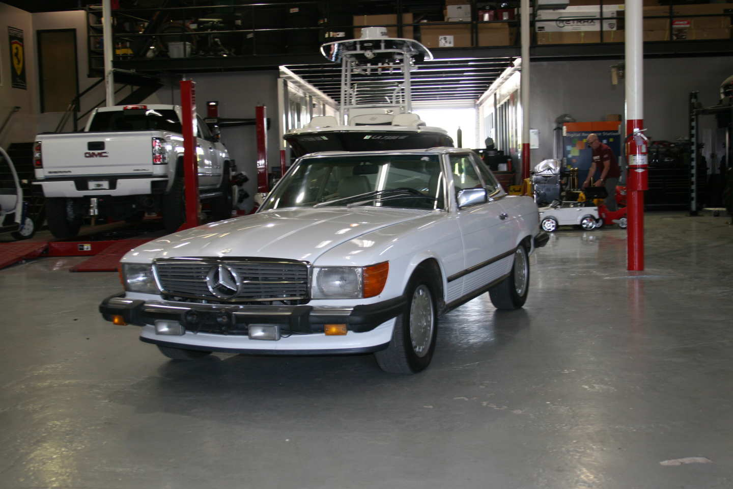 2nd Image of a 1989 MERCEDES-BENZ 560 560SL