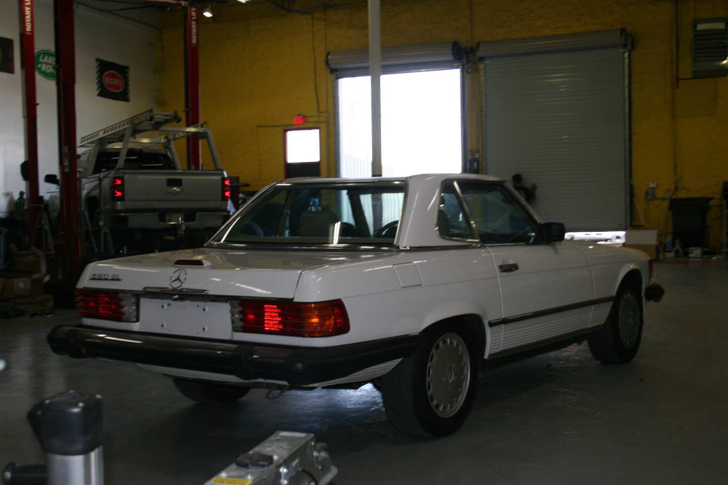5th Image of a 1989 MERCEDES-BENZ 560 560SL