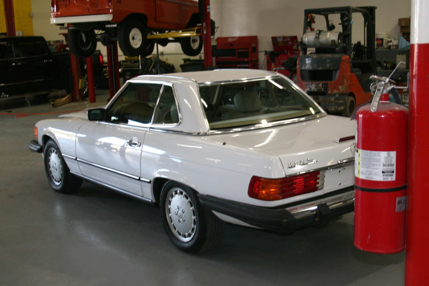 8th Image of a 1989 MERCEDES-BENZ 560 560SL