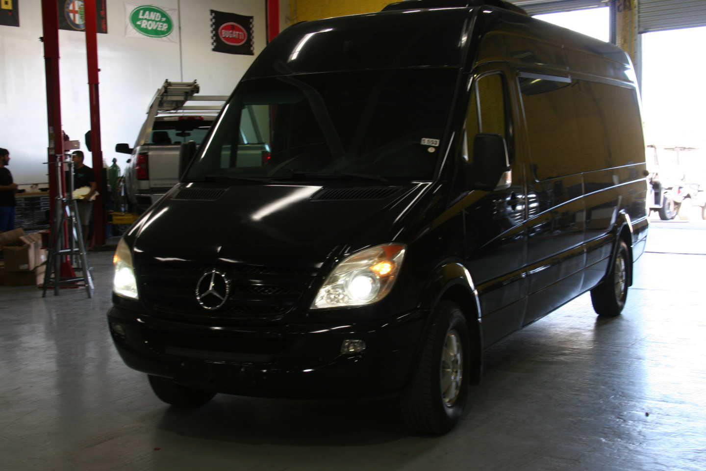 3rd Image of a 2008 DODGE SPRINTER-LIMO