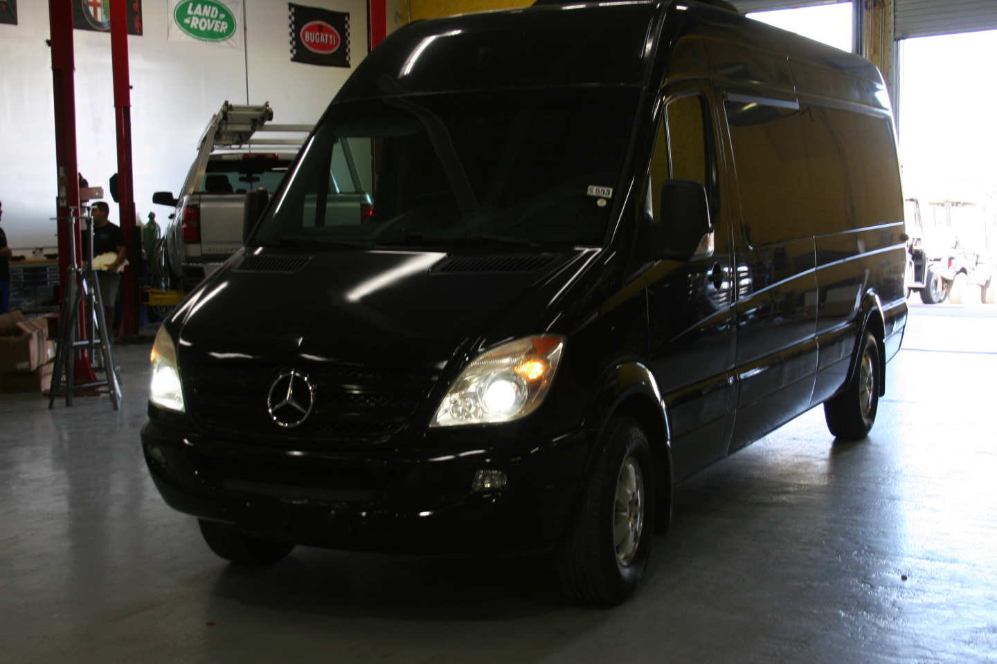 4th Image of a 2008 DODGE SPRINTER-LIMO