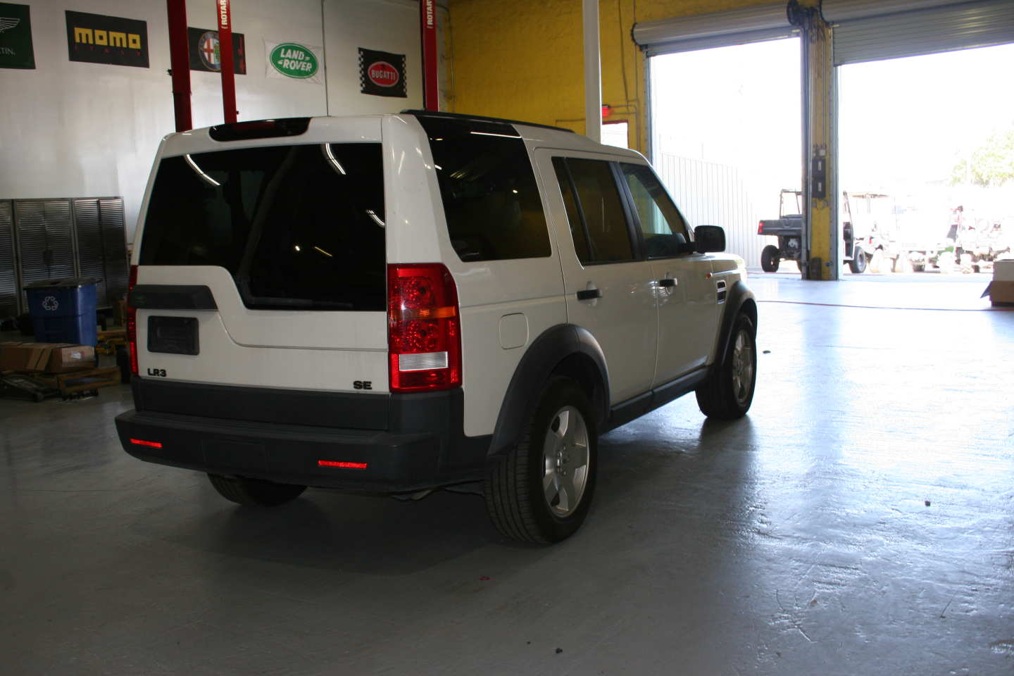 4th Image of a 2006 LANDROVER LR3