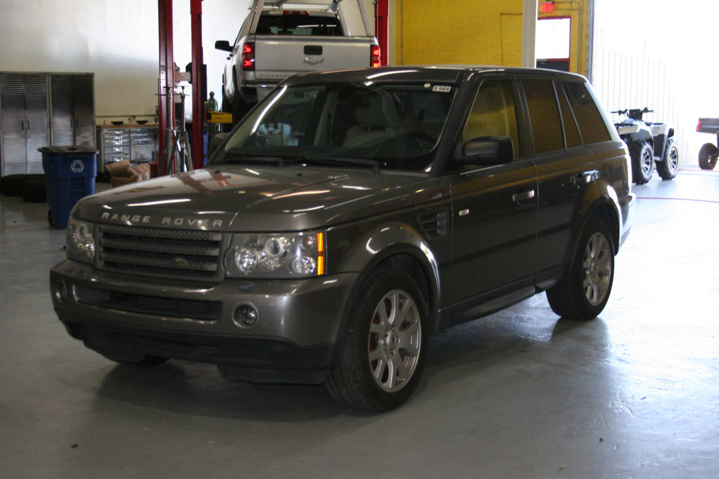 4th Image of a 2009 LAND ROVER RANGE ROVER SPORT HSE