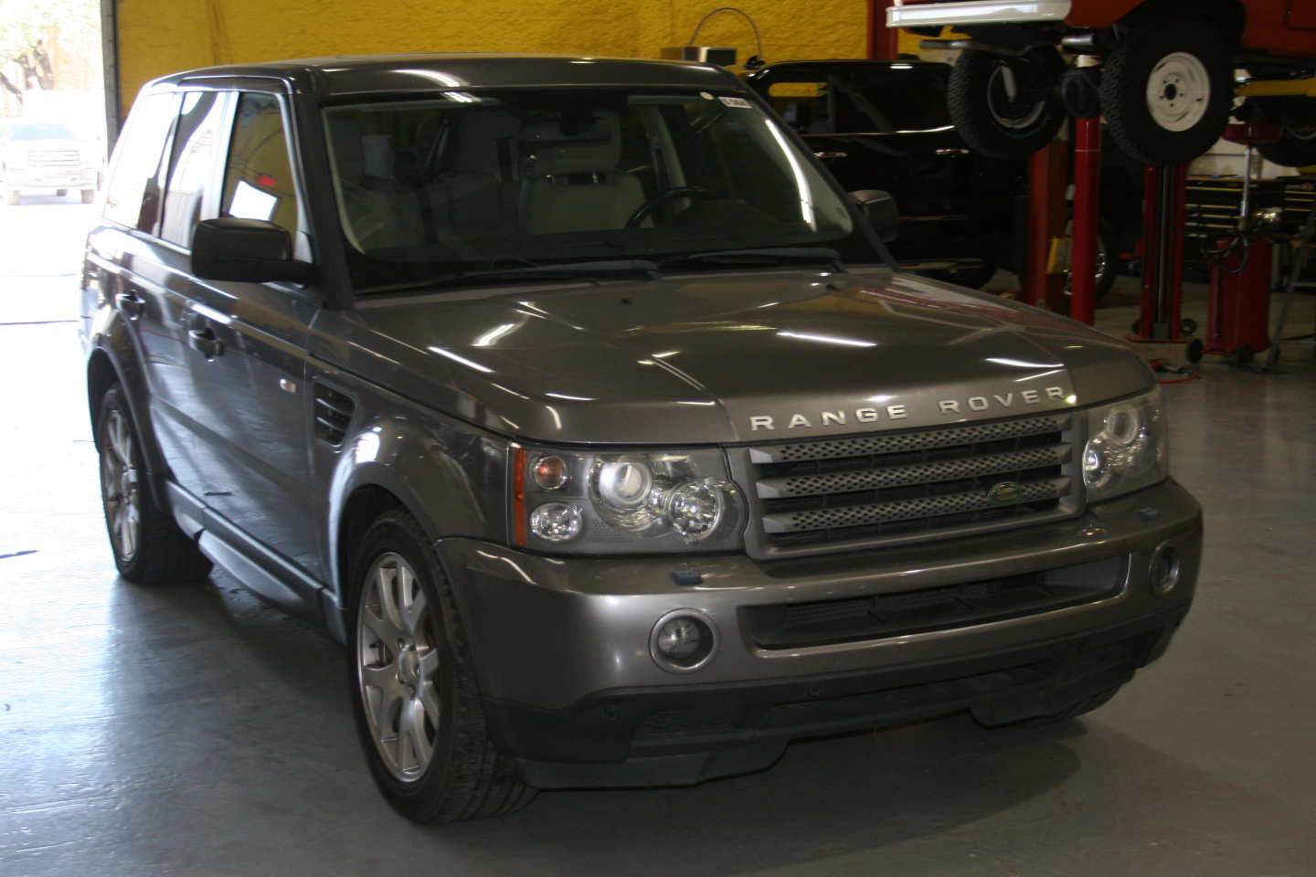 9th Image of a 2009 LAND ROVER RANGE ROVER SPORT HSE