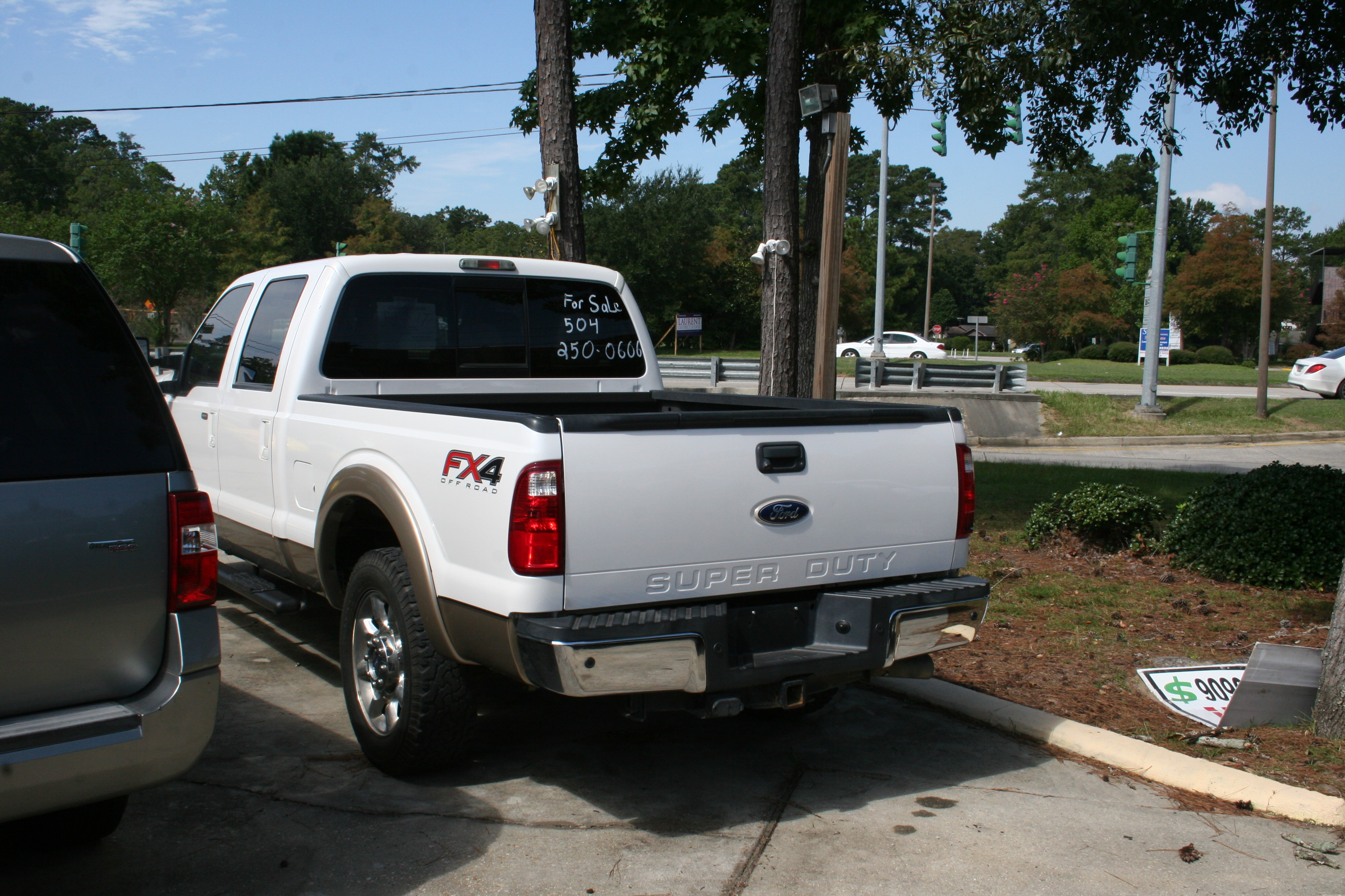4th Image of a 2012 FORD F250