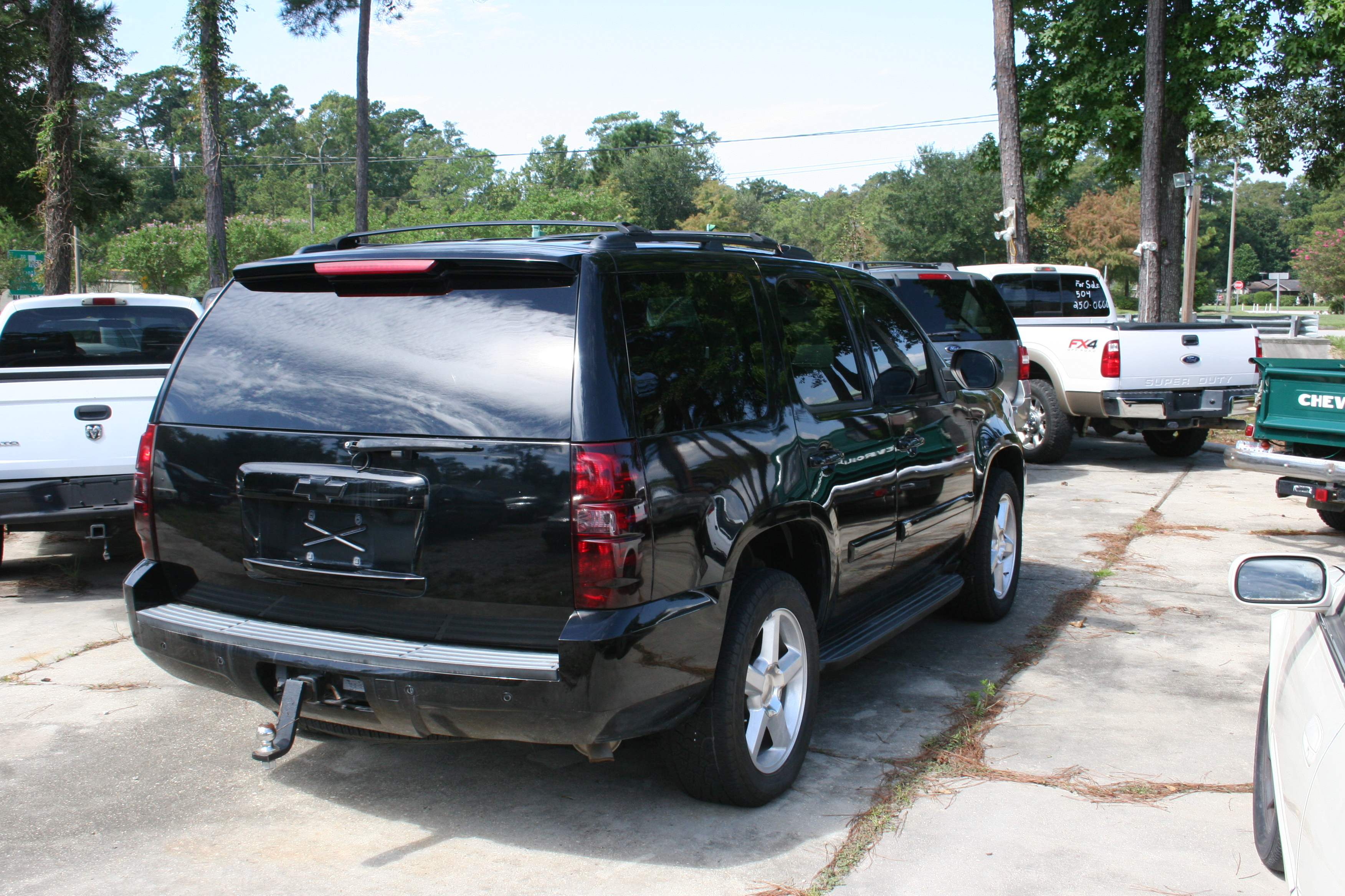2nd Image of a 2009 CHEVROLET TAHOE