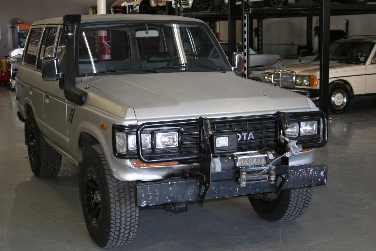 5th Image of a 1987 TOYOTA LAND CRUISER