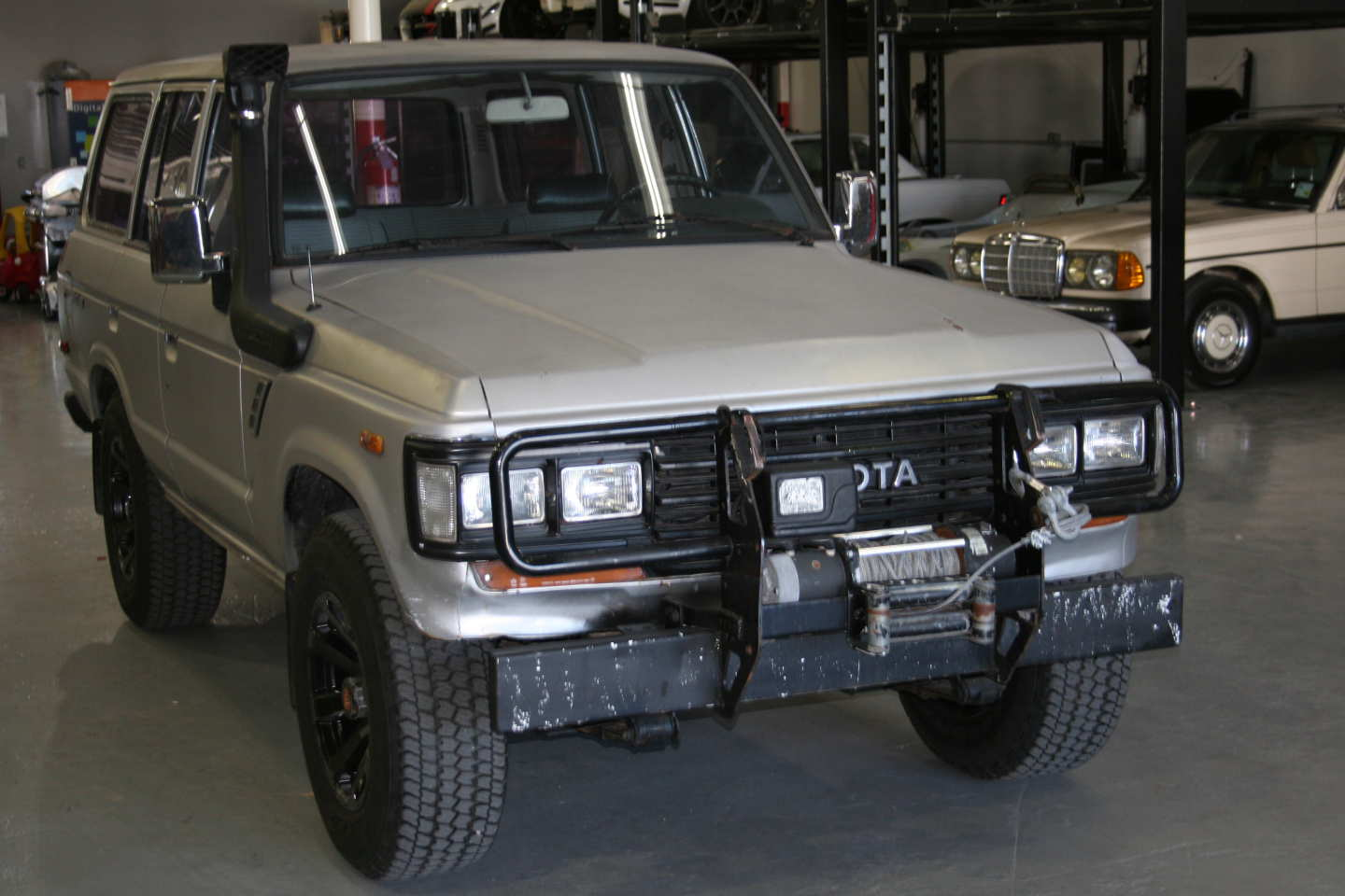 6th Image of a 1987 TOYOTA LAND CRUISER