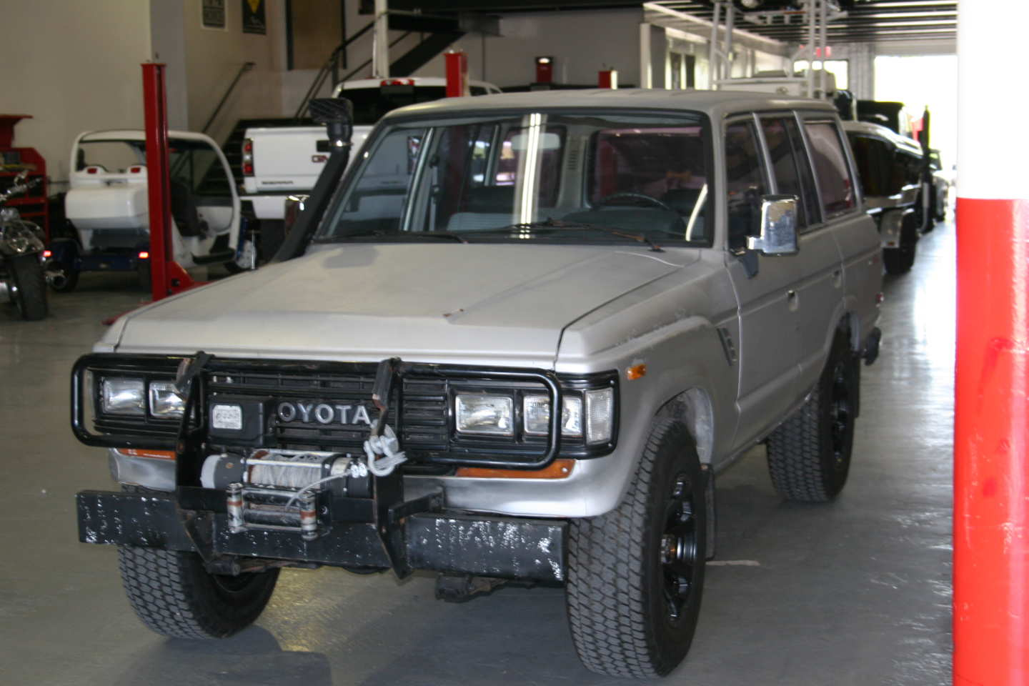 7th Image of a 1987 TOYOTA LAND CRUISER