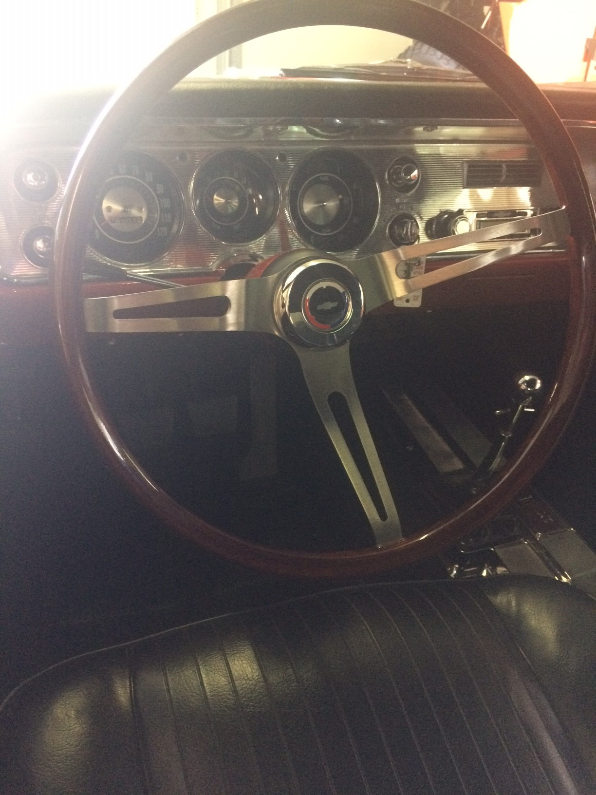 2nd Image of a 1964 CHEVROLET CHEVELLE SS
