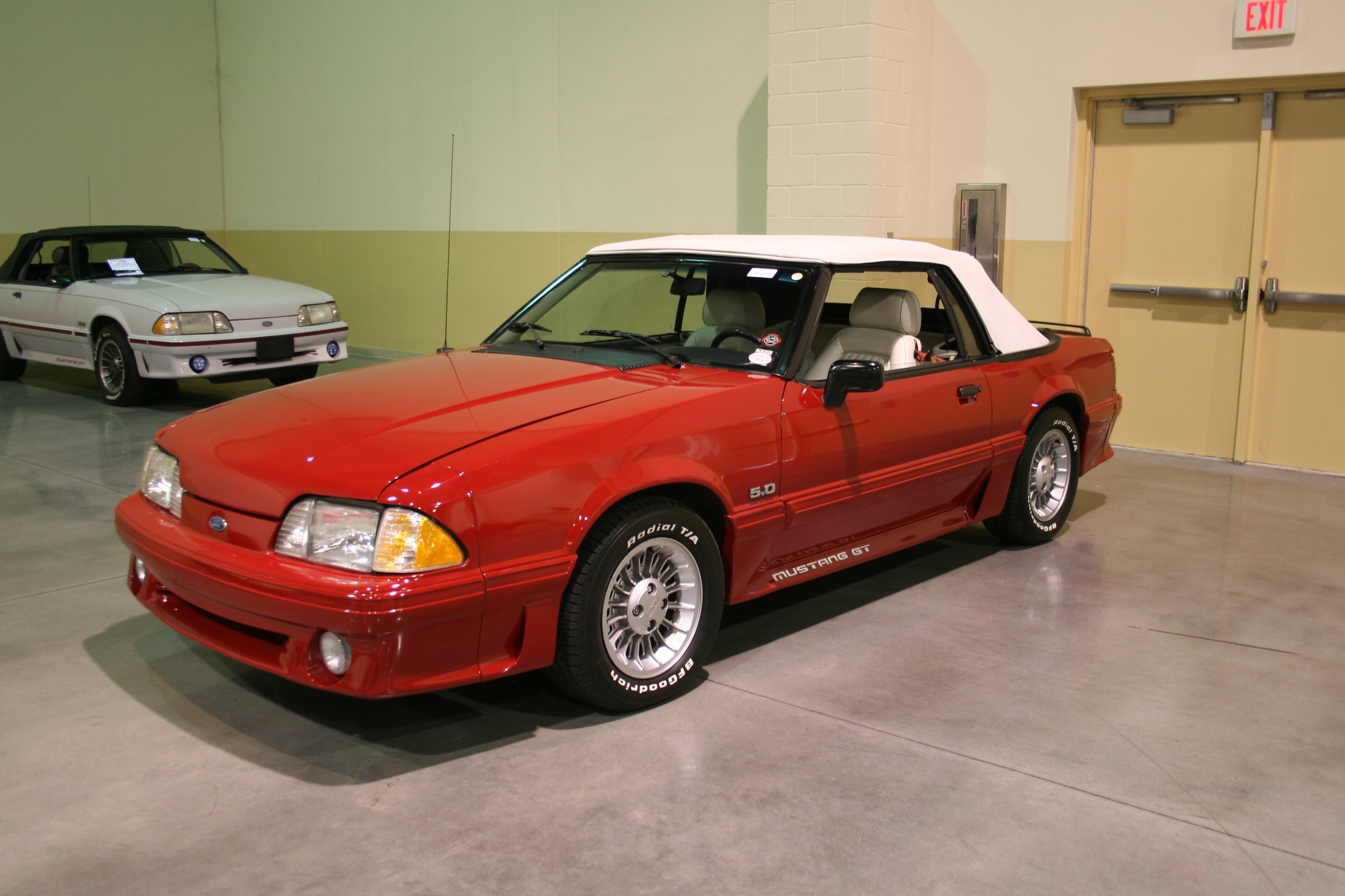 2nd Image of a 1989 FORD MUSTANG GT