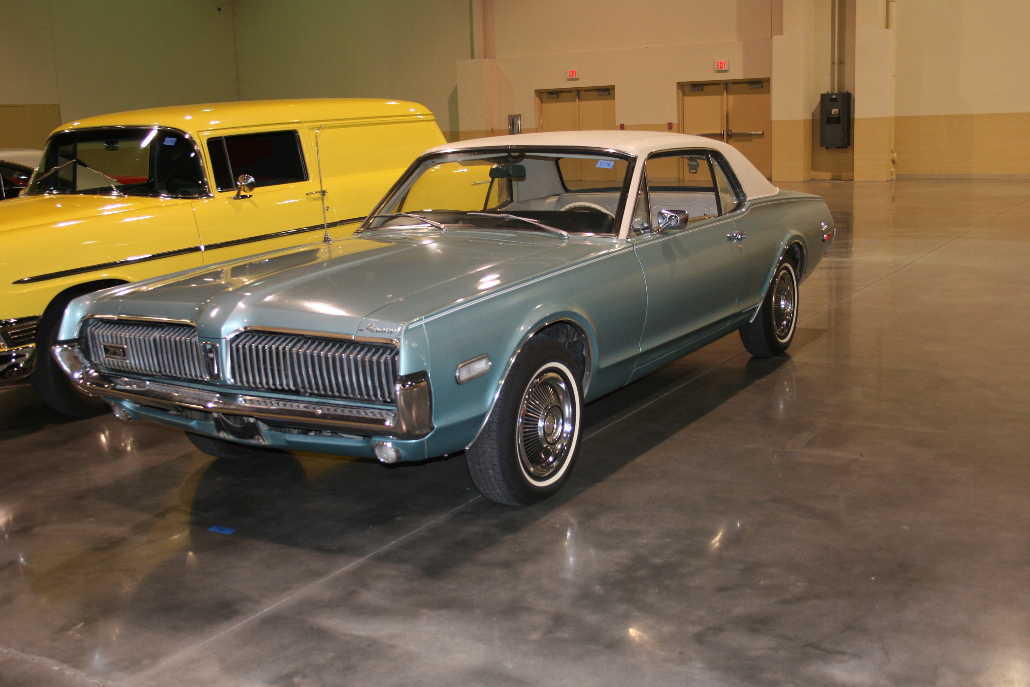 2nd Image of a 1968 MERCURY COUGAR