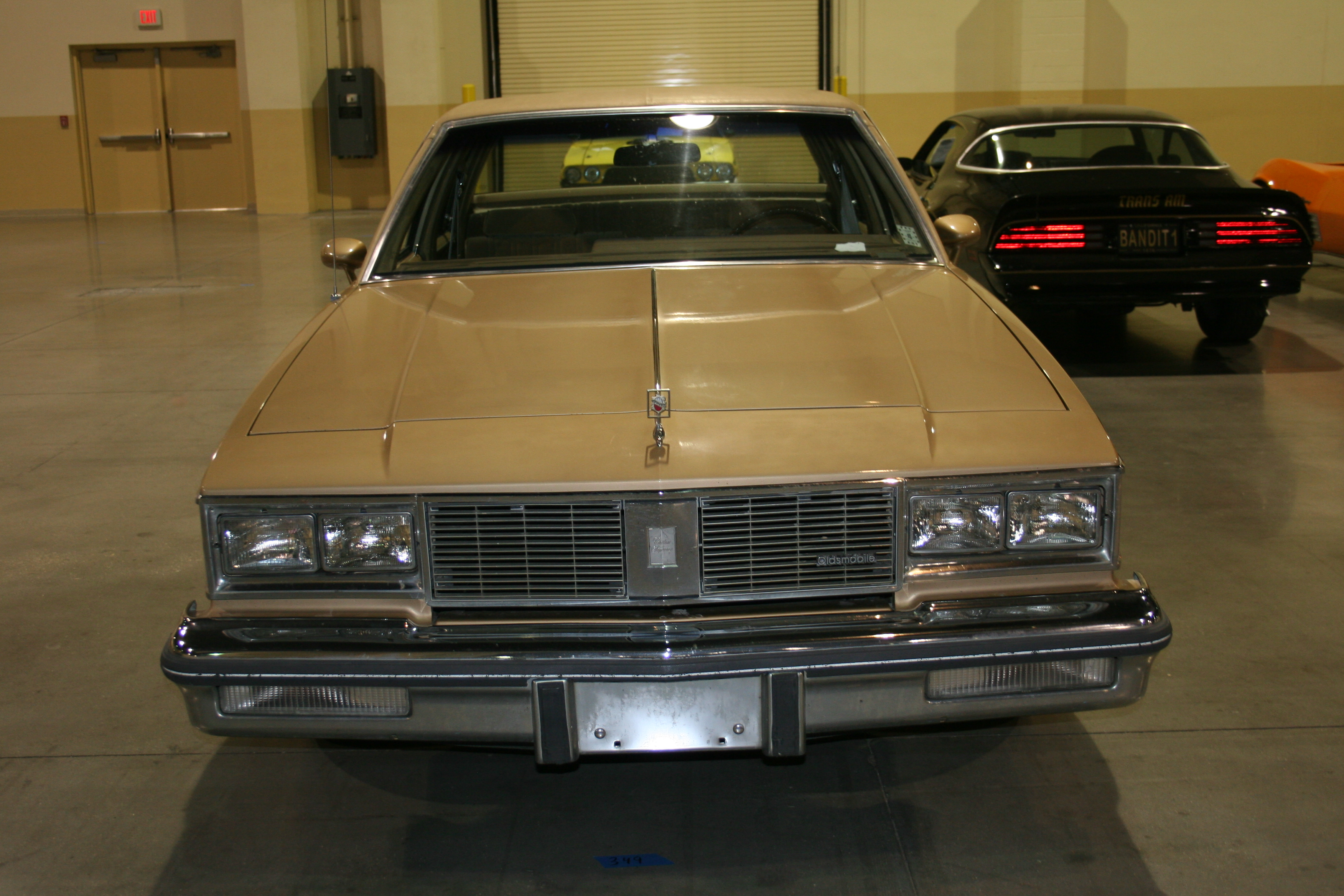 1st Image of a 1985 OLDSMOBILE CUTLASS SUPREME