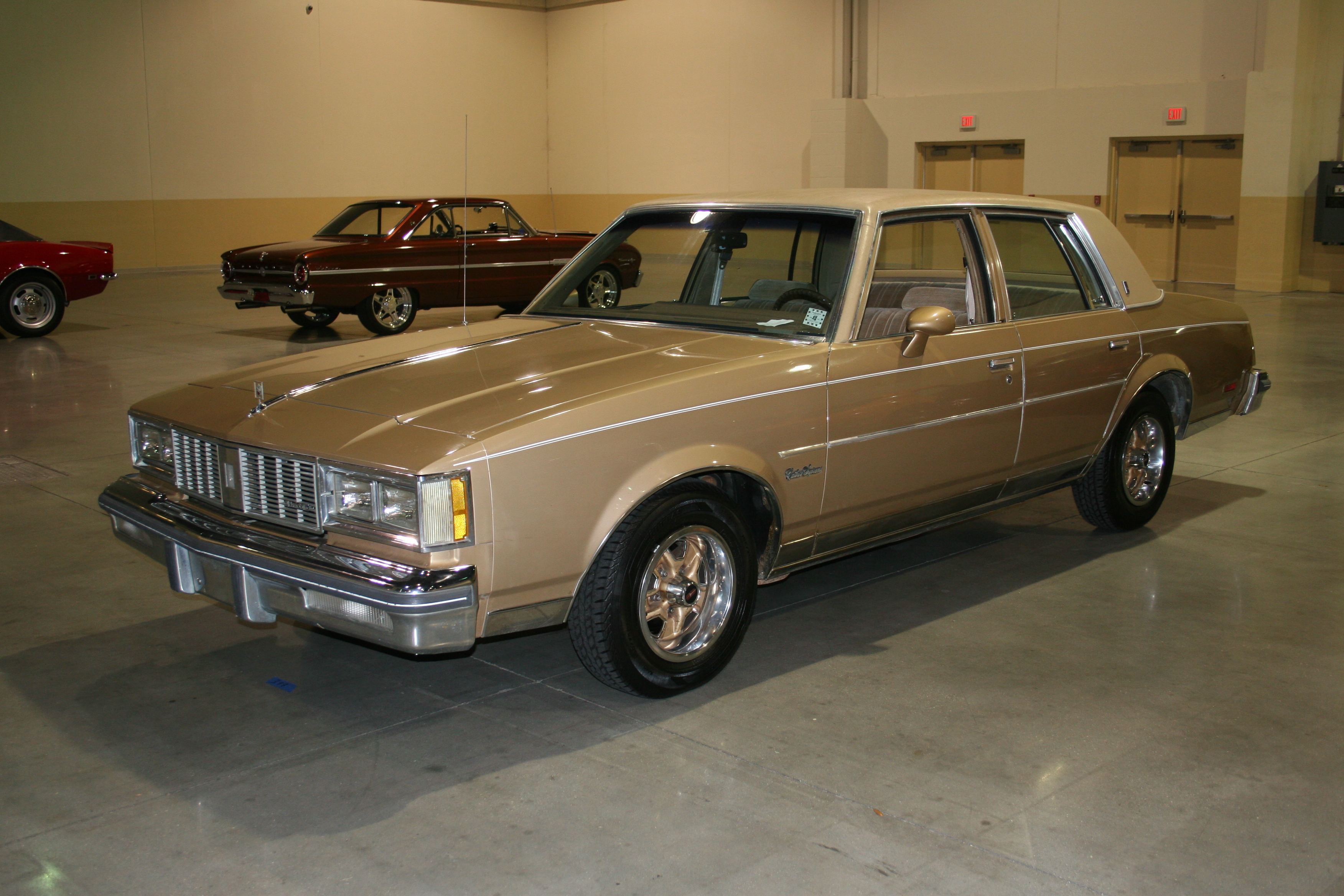 2nd Image of a 1985 OLDSMOBILE CUTLASS SUPREME