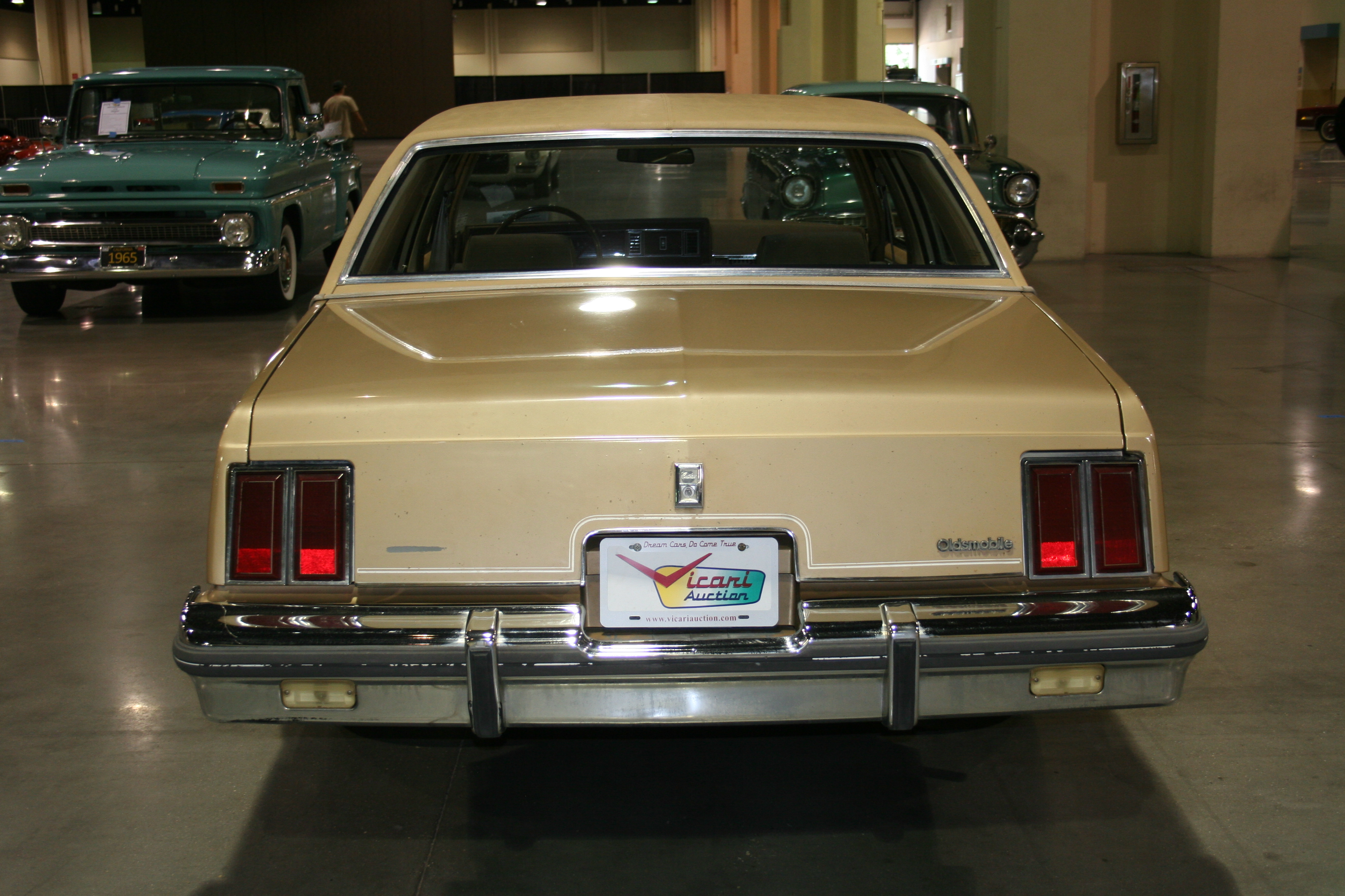 5th Image of a 1985 OLDSMOBILE CUTLASS SUPREME