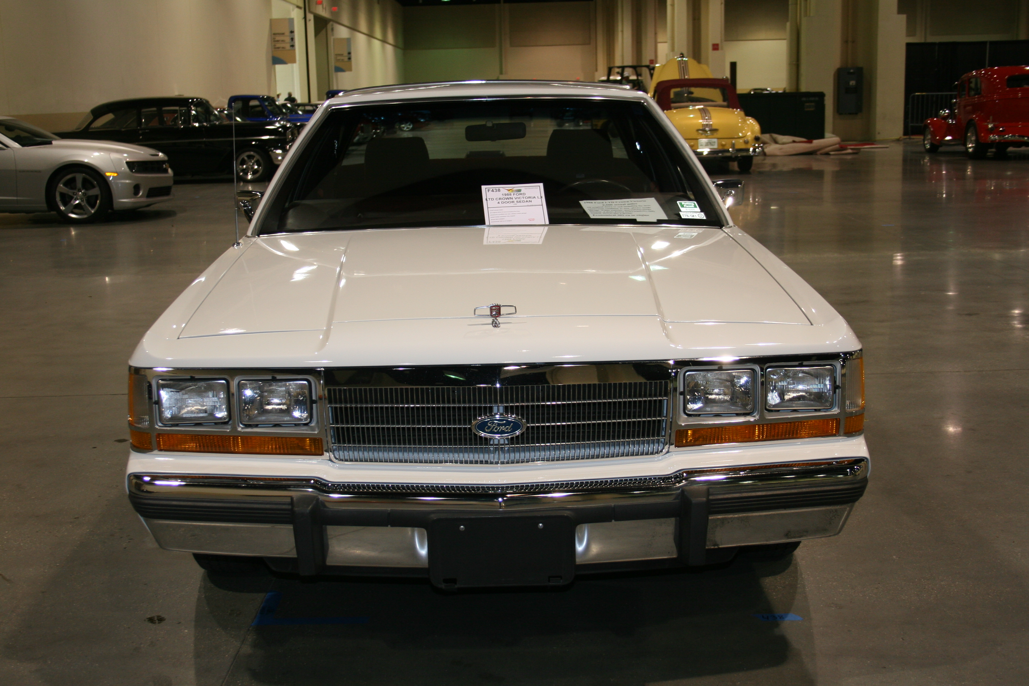 1st Image of a 1988 FORD LTD CROWN VICTORIA LX
