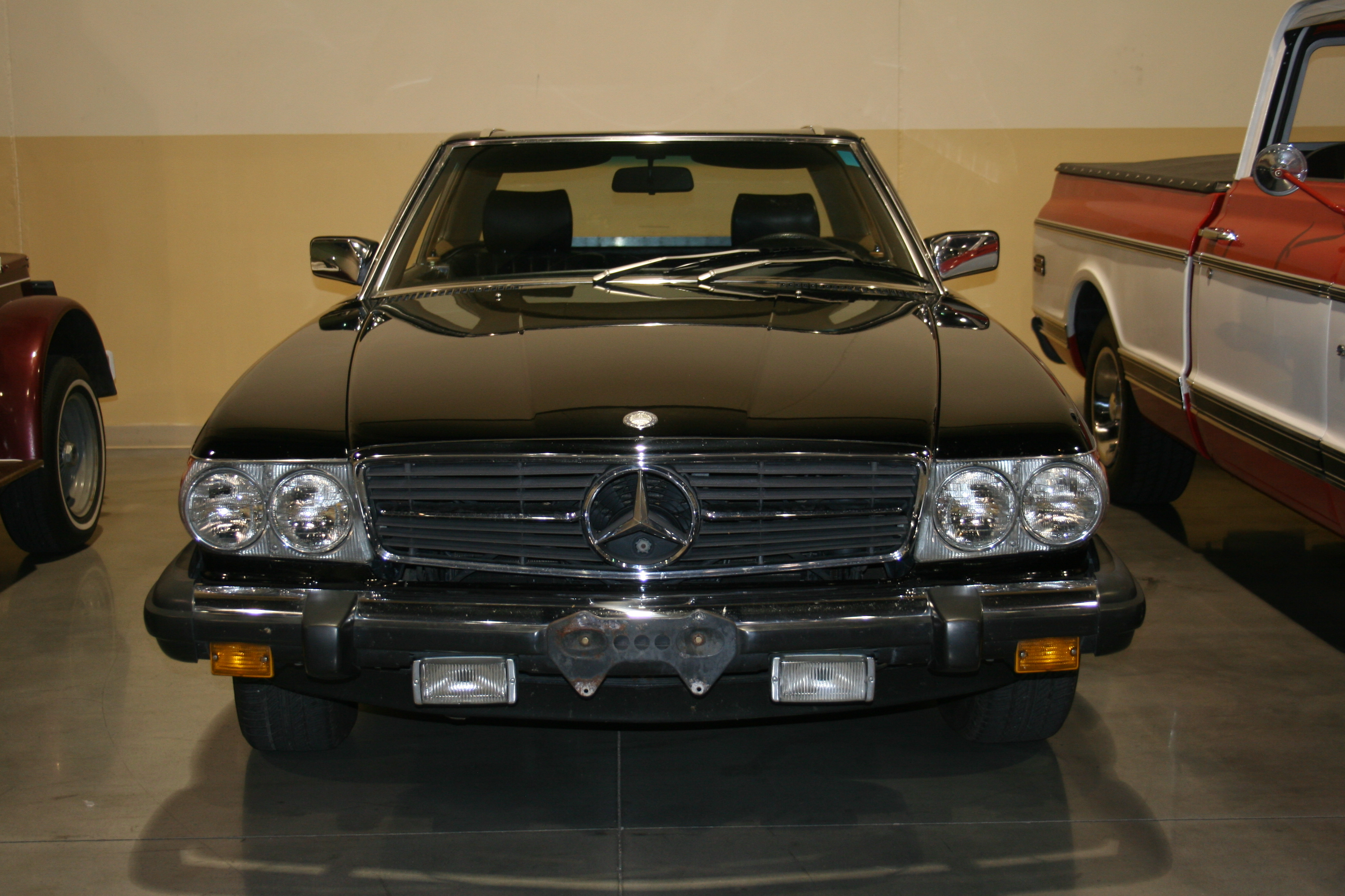 2nd Image of a 1982 MERCEDES 380
