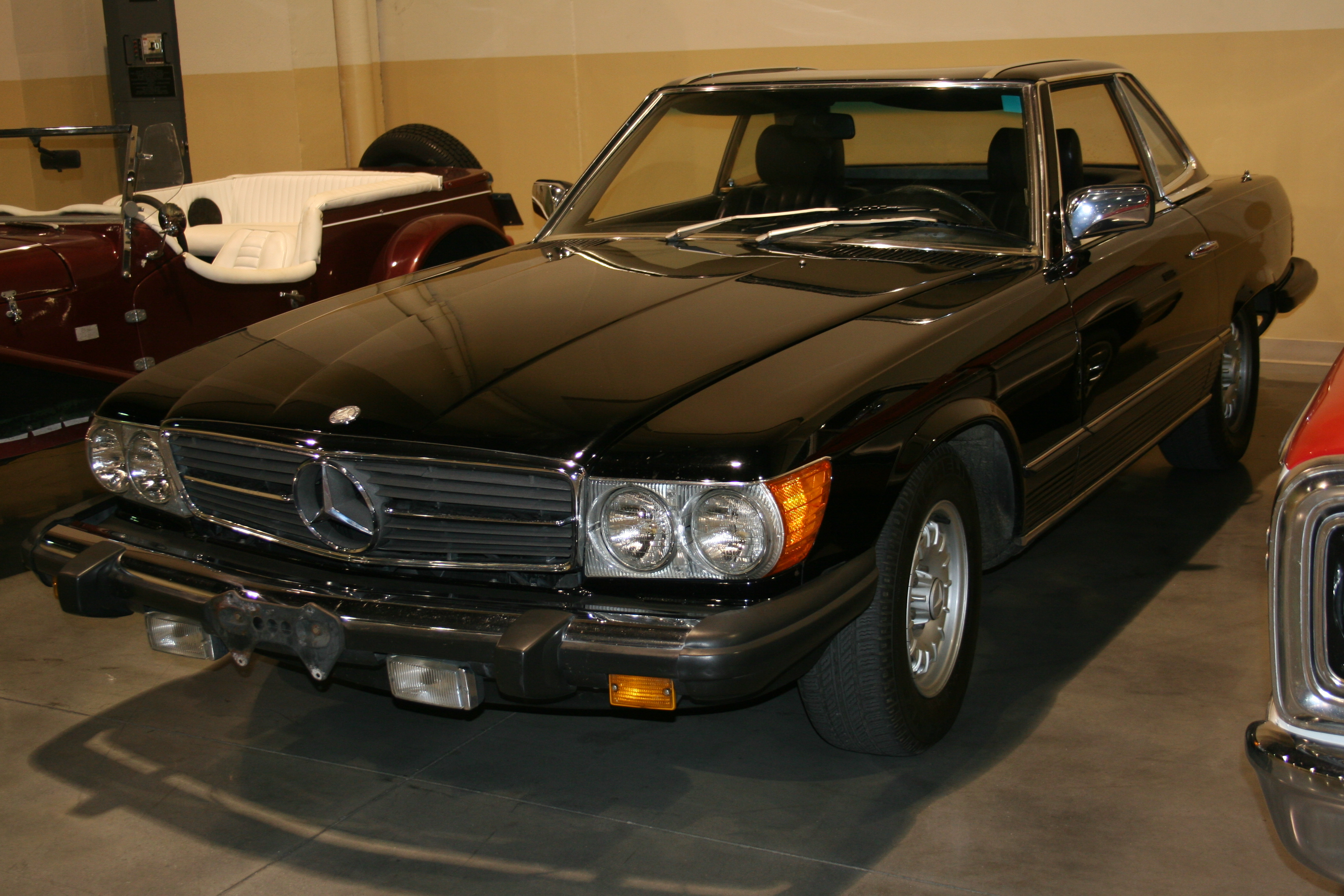 3rd Image of a 1982 MERCEDES 380