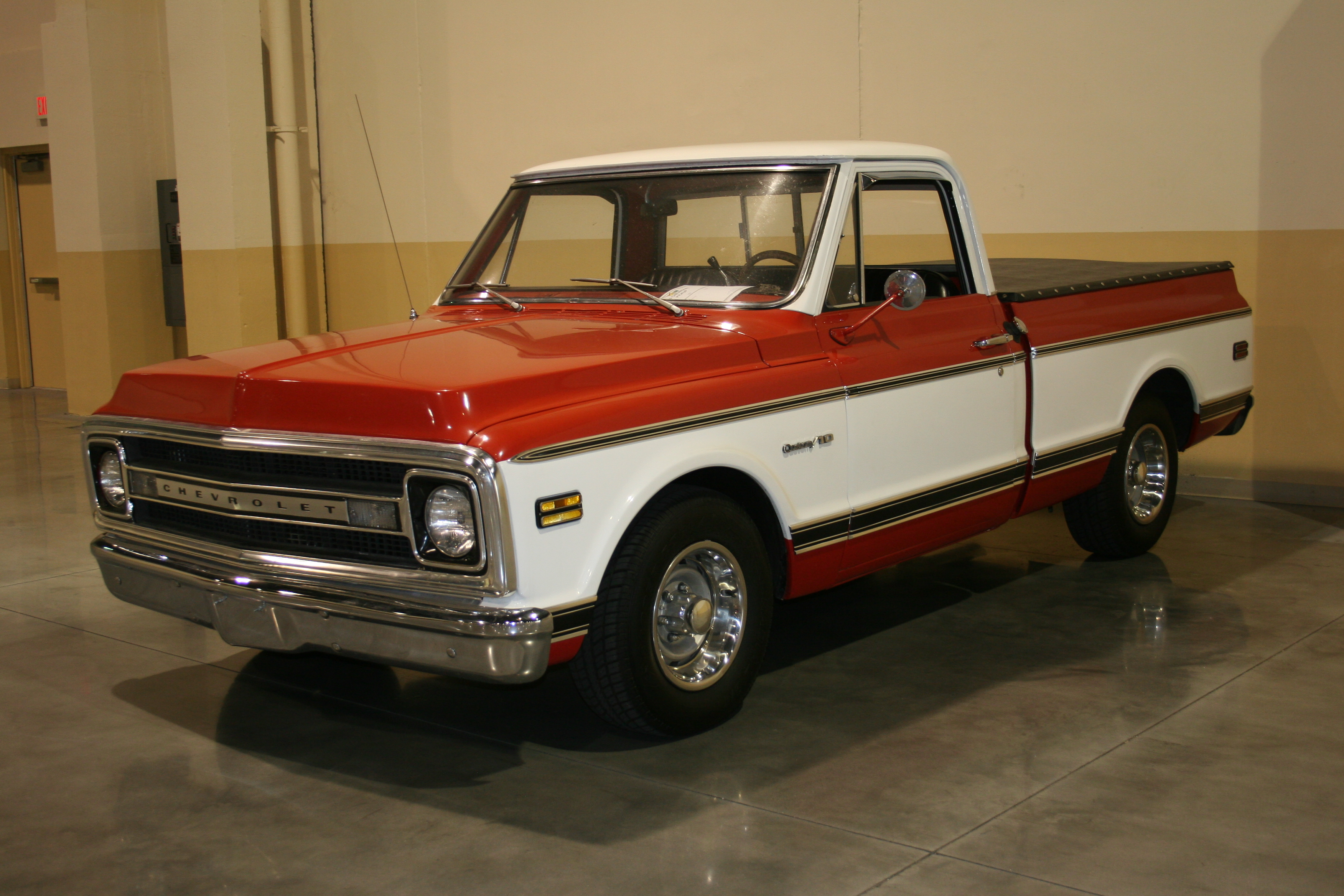 2nd Image of a 1969 CHEVROLET PICKUP