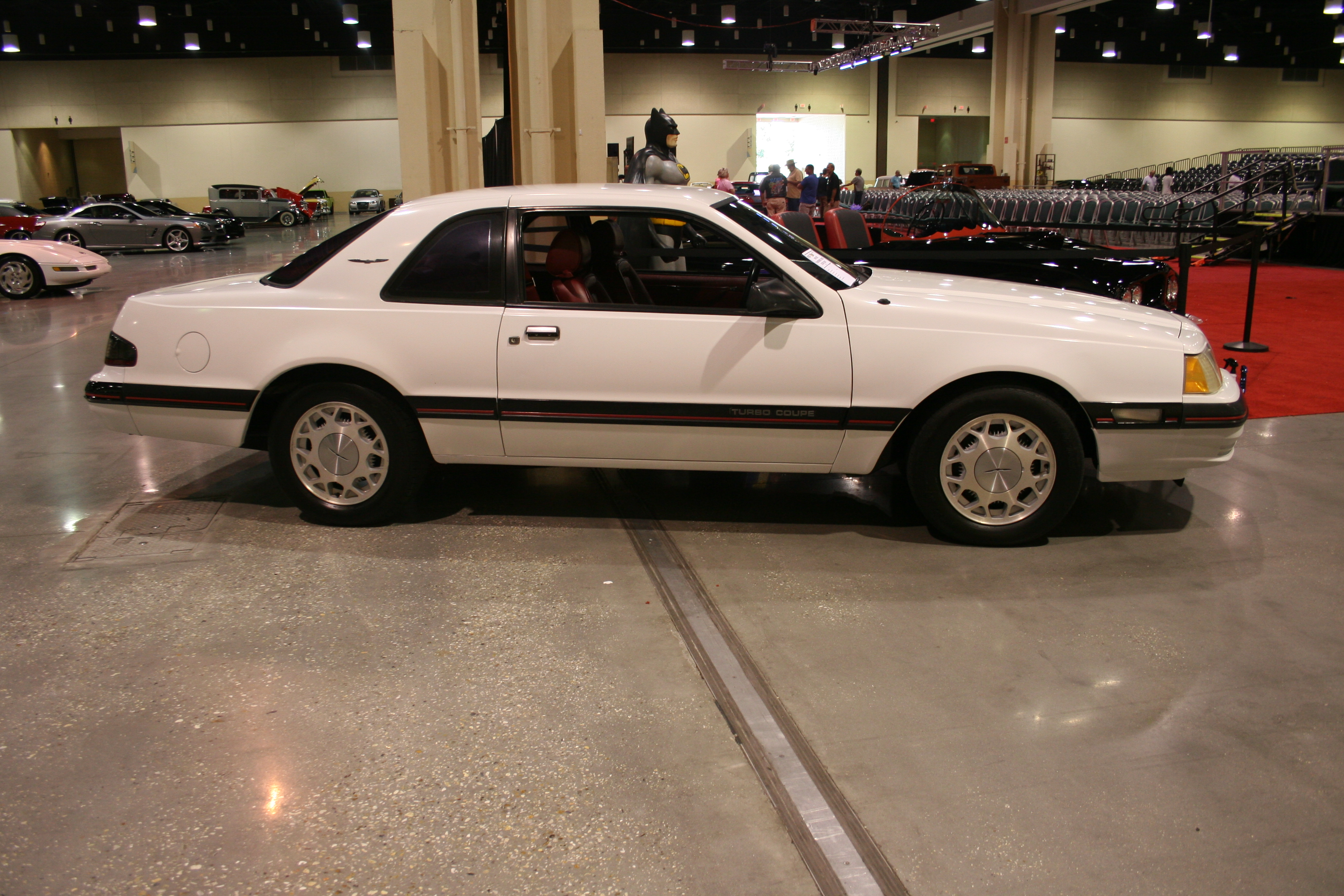 3rd Image of a 1988 FORD THUNDERBIRD TURBO