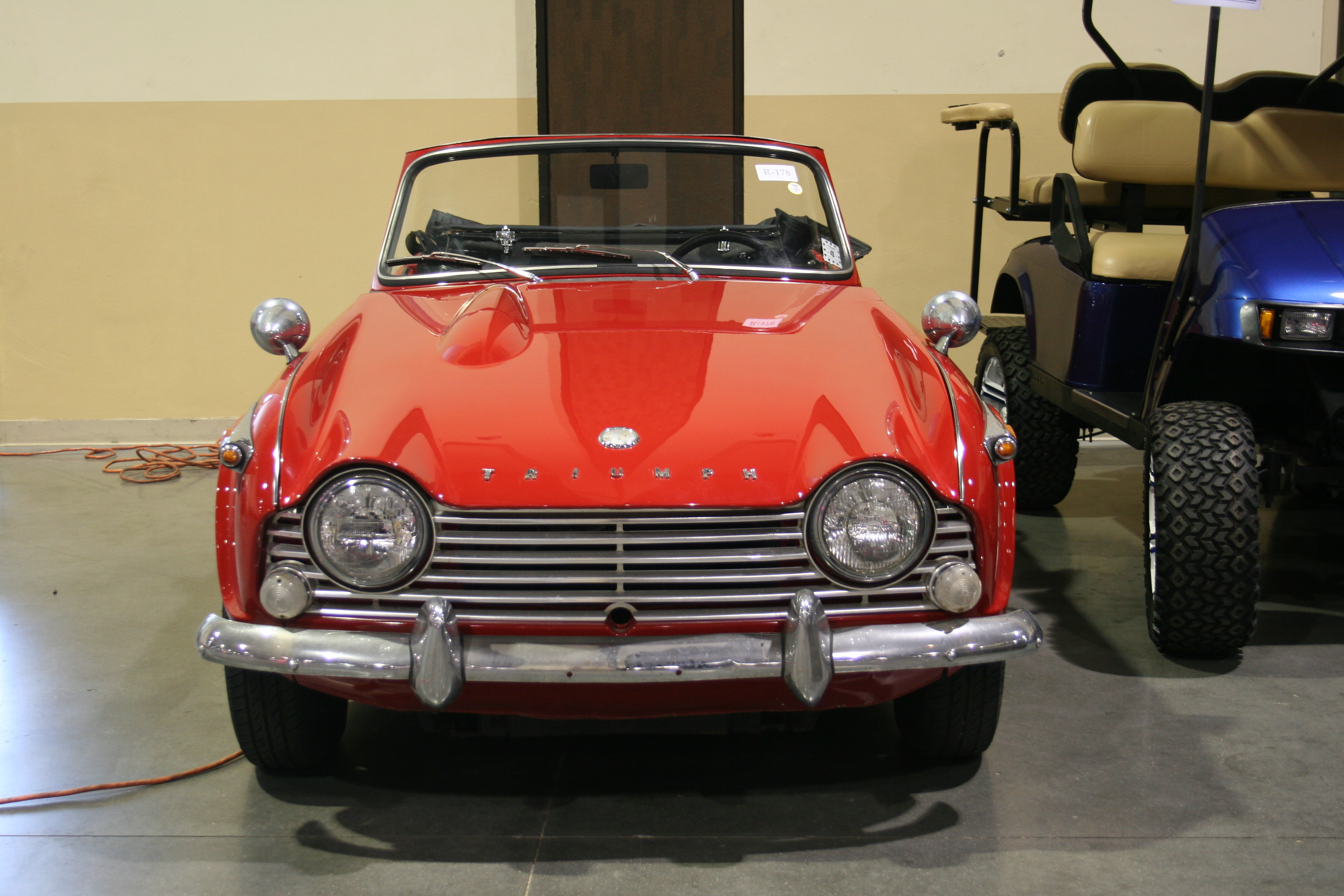 2nd Image of a 1964 TRIUMPH TR4
