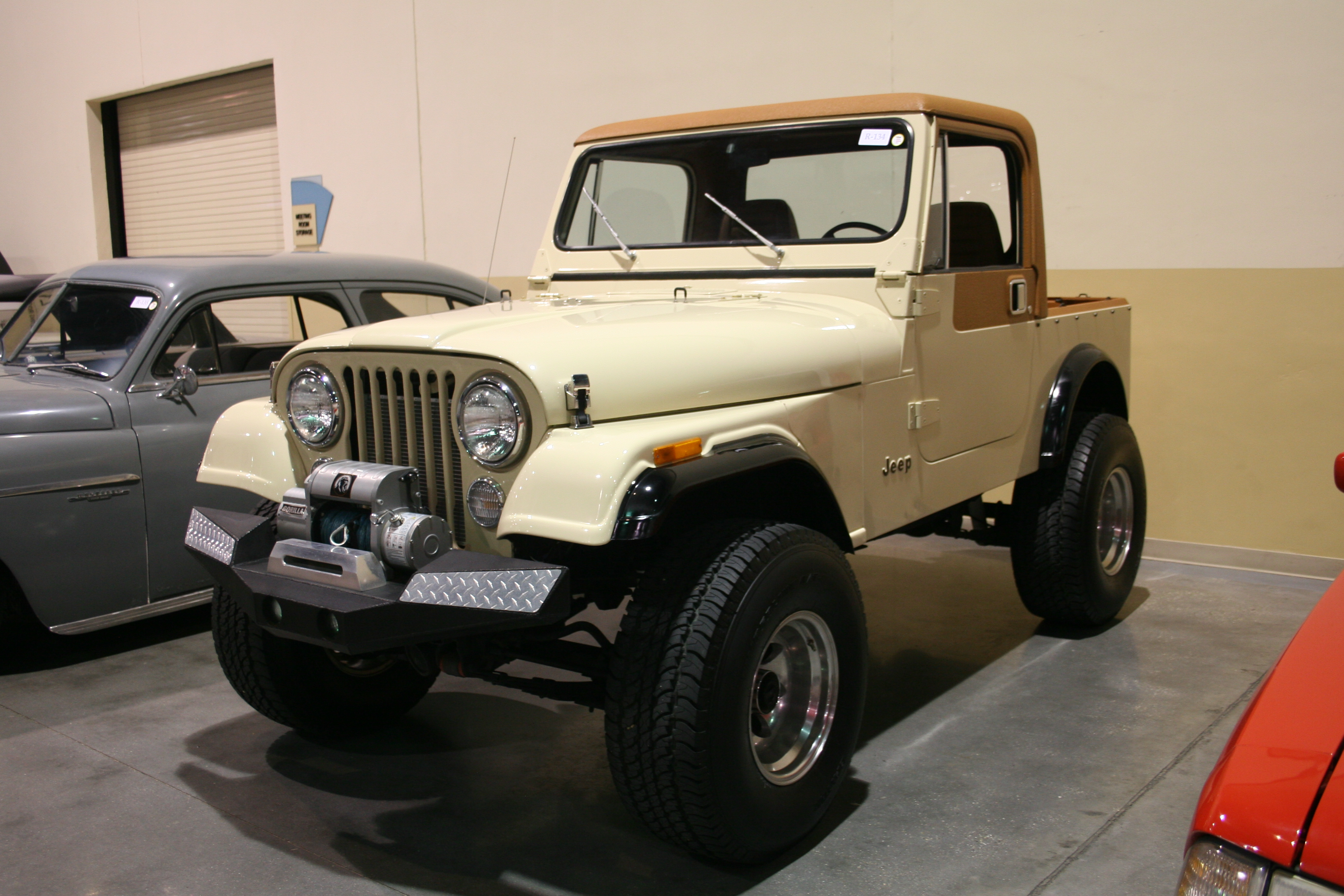 2nd Image of a 1984 JEEP CJ7