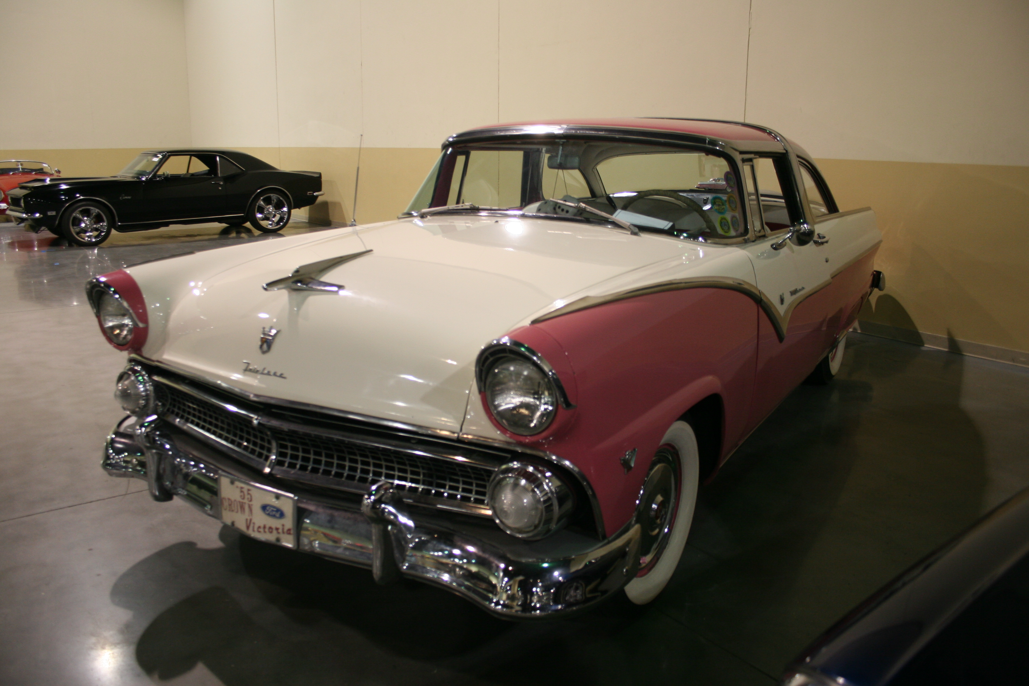 3rd Image of a 1955 FORD FAIRLANE