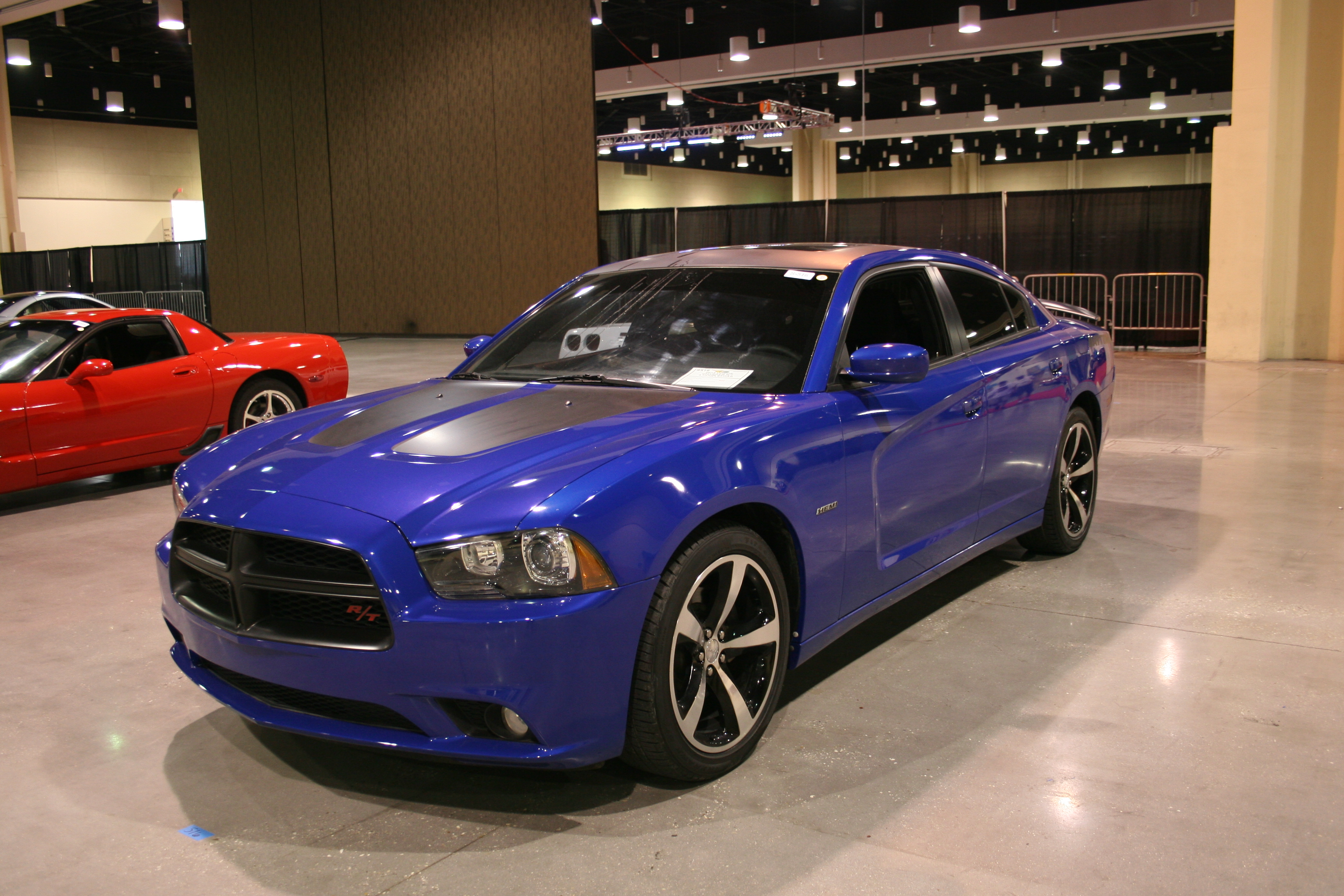 2nd Image of a 2013 DODGE CHARGER R/T
