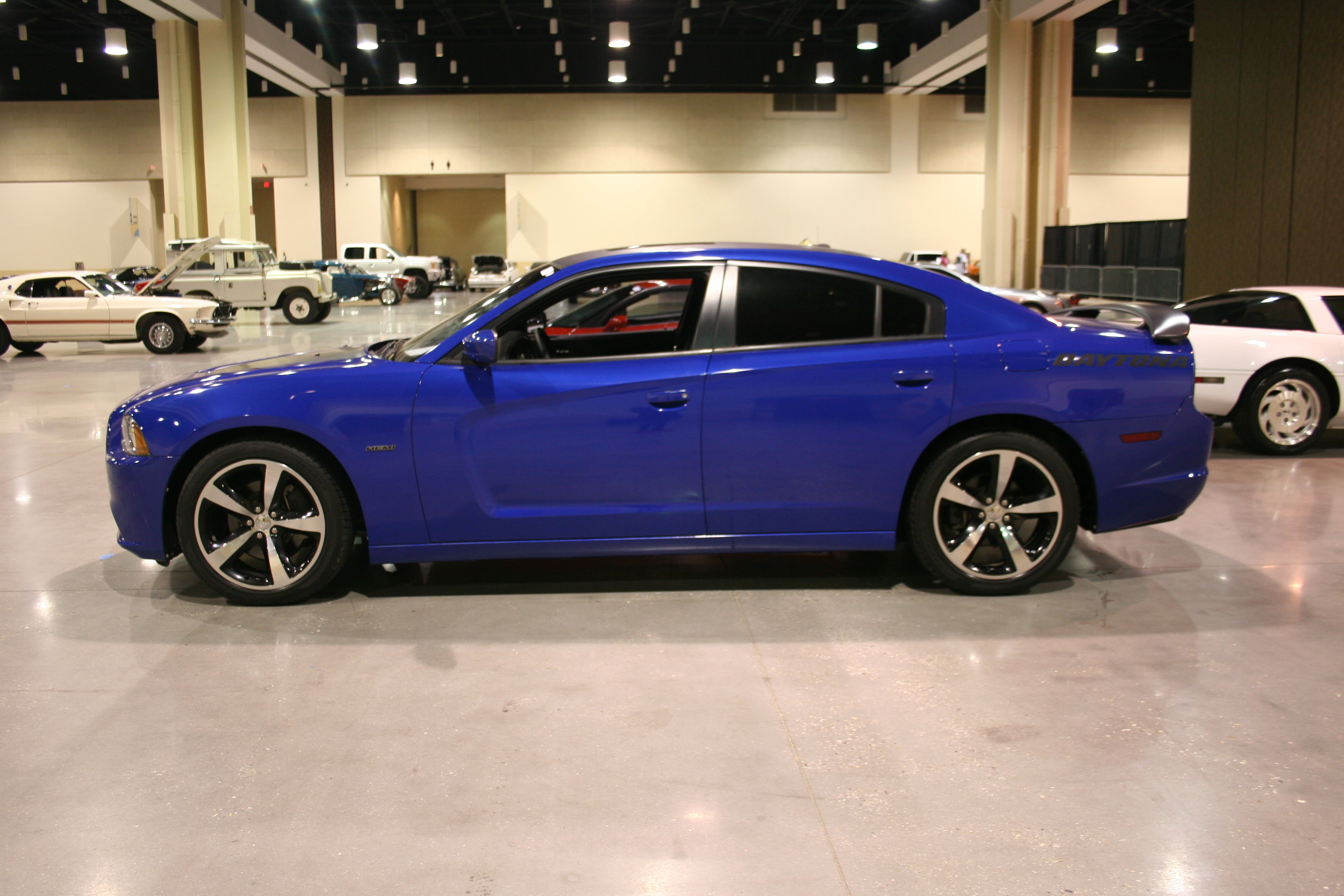 3rd Image of a 2013 DODGE CHARGER R/T