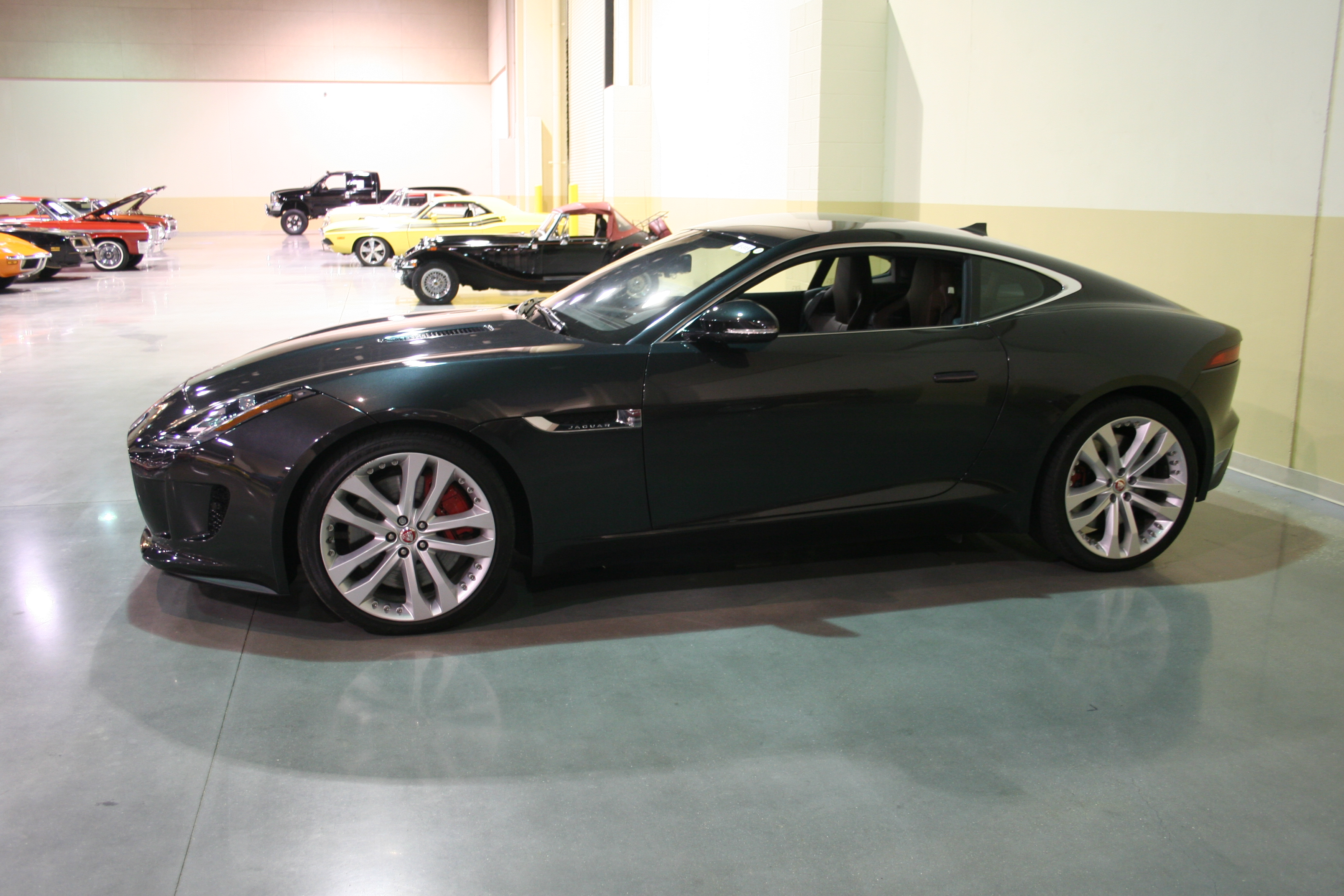 3rd Image of a 2015 JAGUAR F-TYPE V6 S