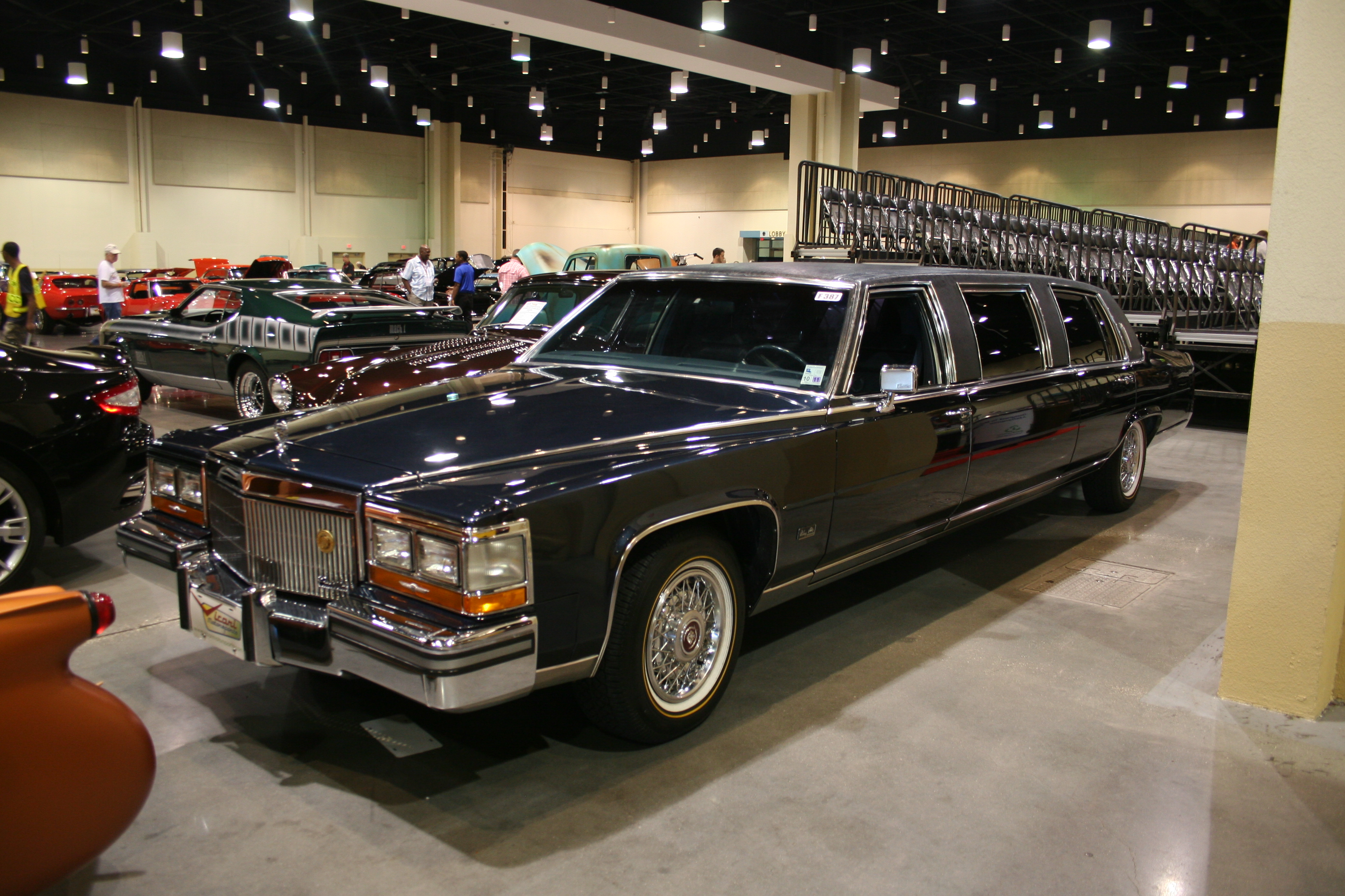 2nd Image of a 1989 CADILLAC BROUGHAM