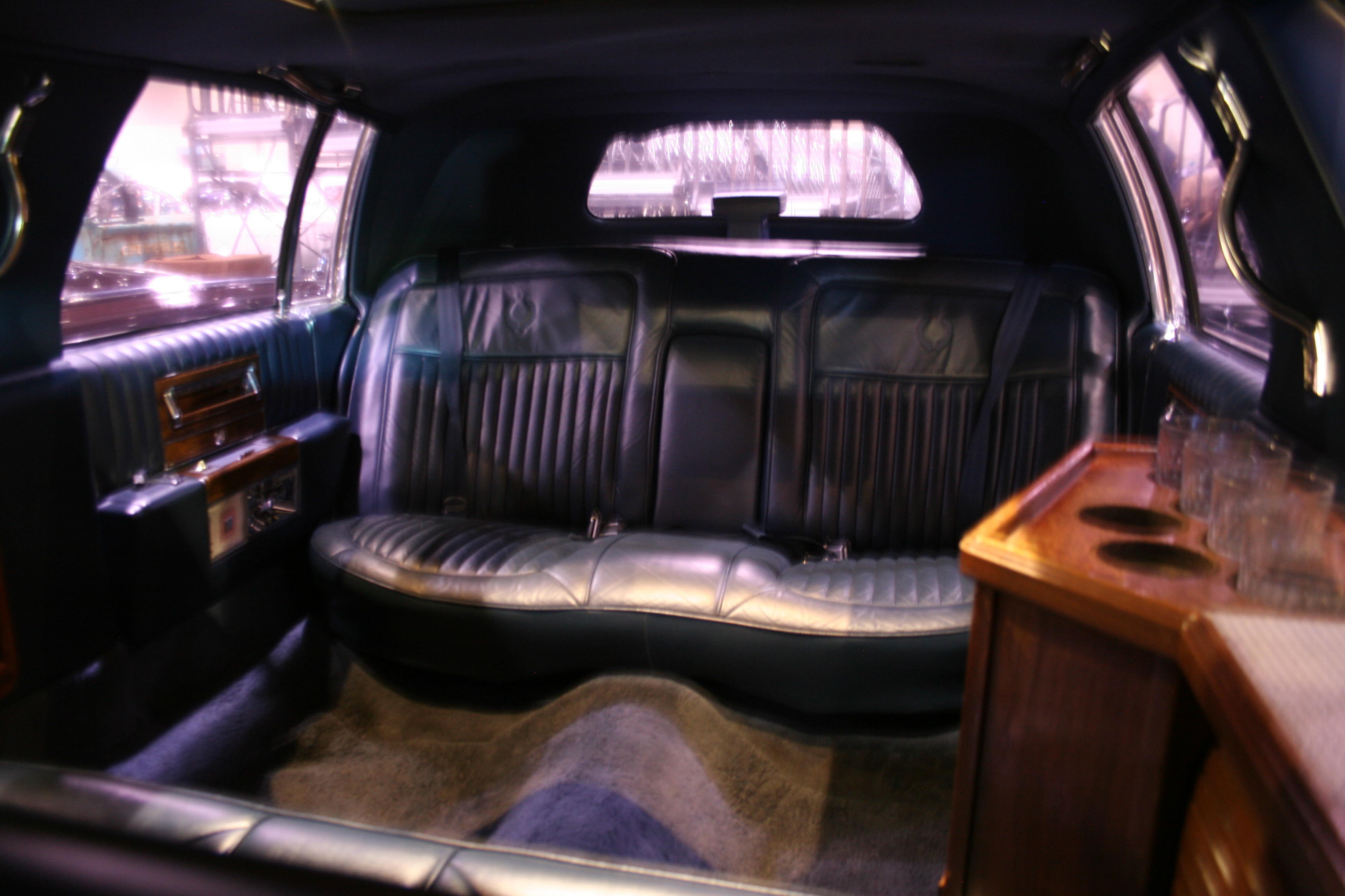 5th Image of a 1989 CADILLAC BROUGHAM