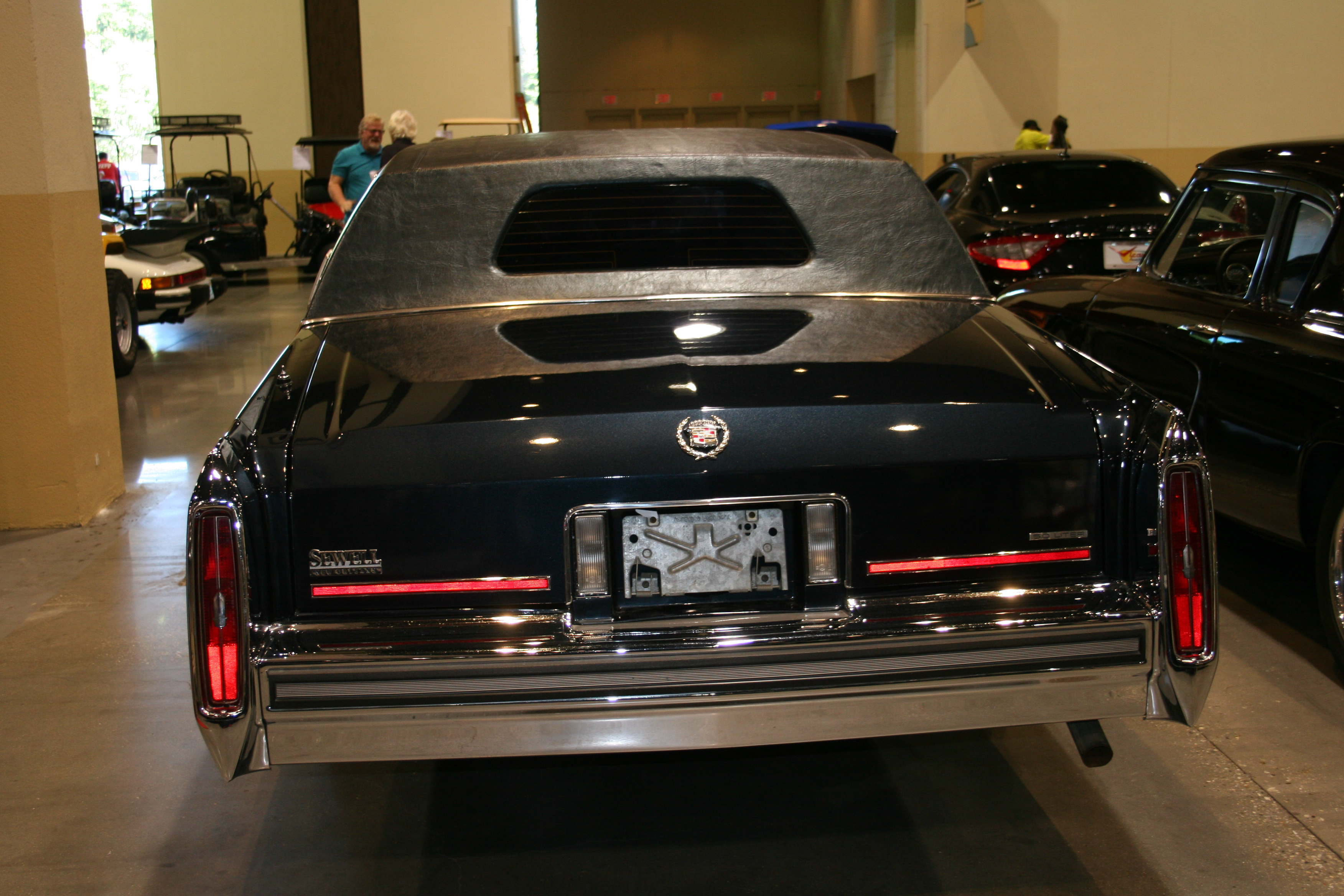 8th Image of a 1989 CADILLAC BROUGHAM