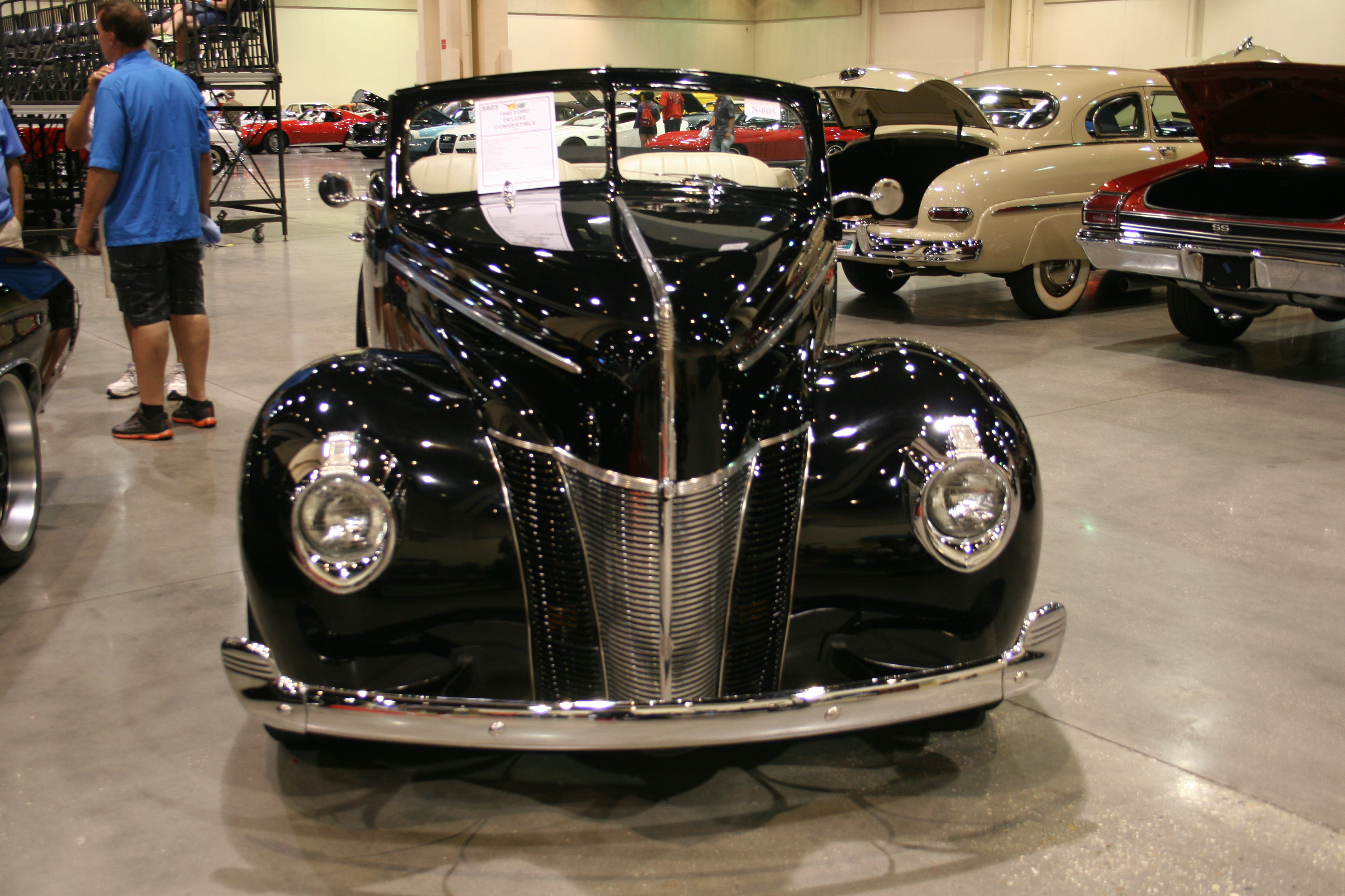1st Image of a 1940 FORD DELUXE