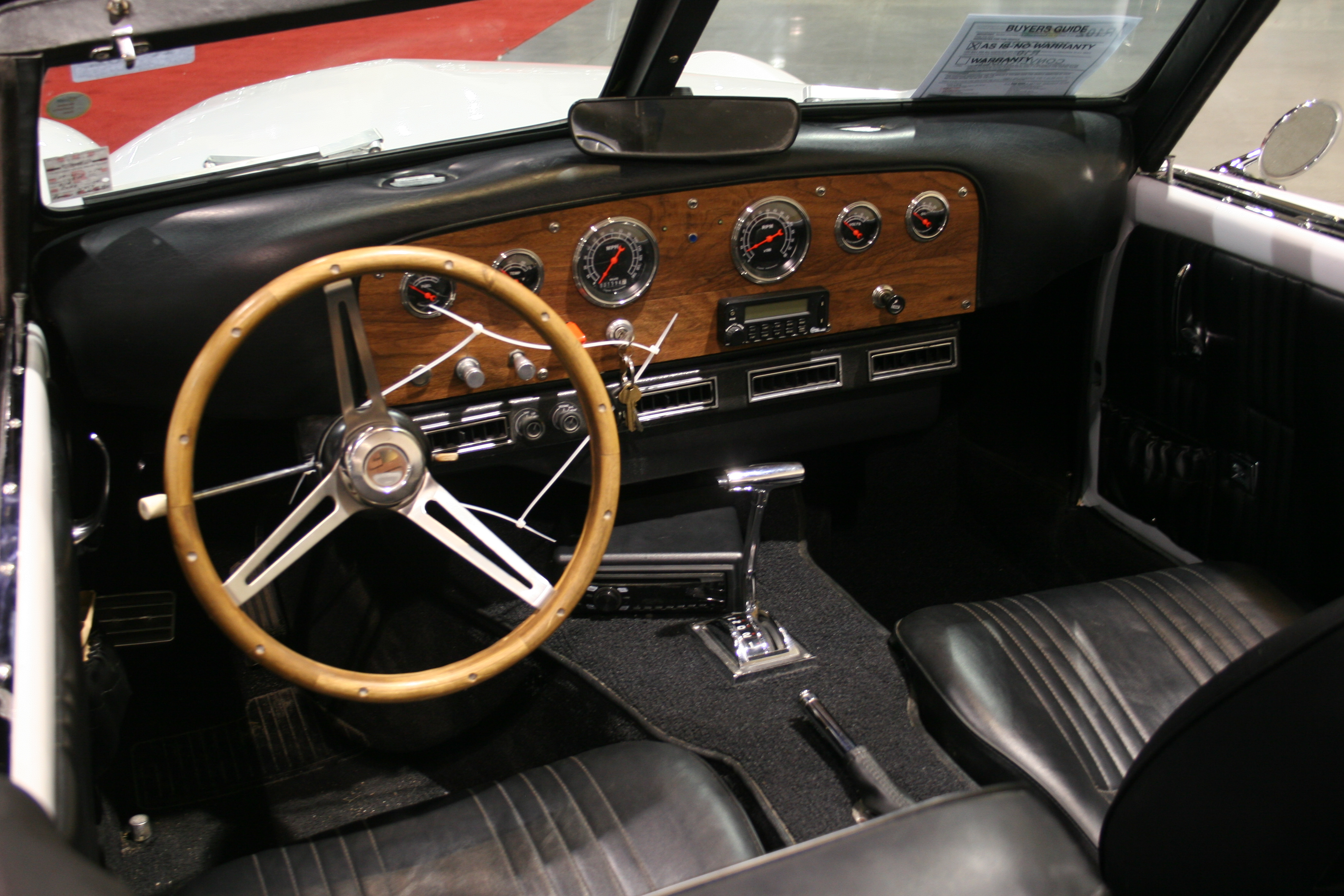3rd Image of a 1969 CORD R10