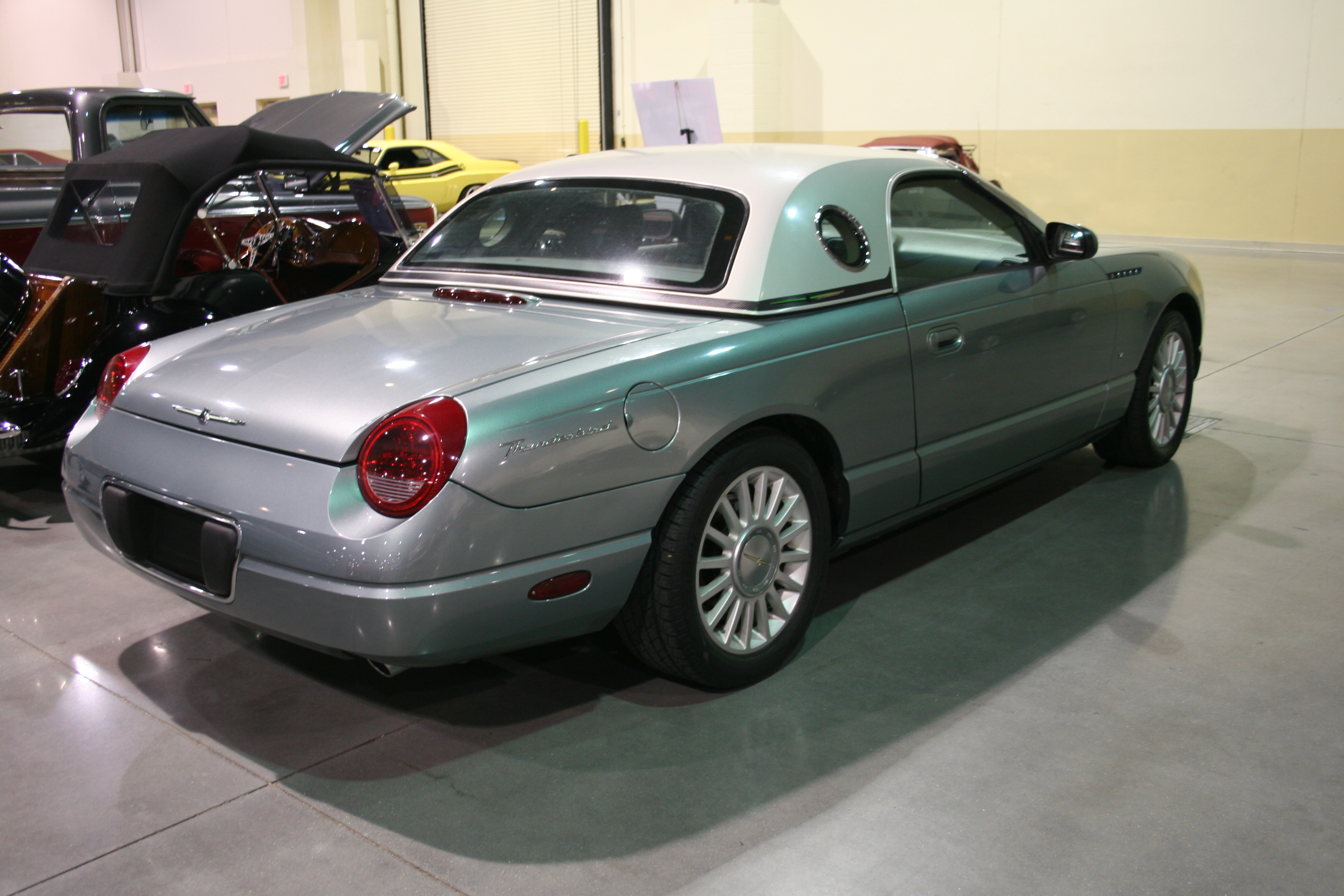 6th Image of a 2004 FORD THUNDERBIRD PACIFIC COAST ROADSTER