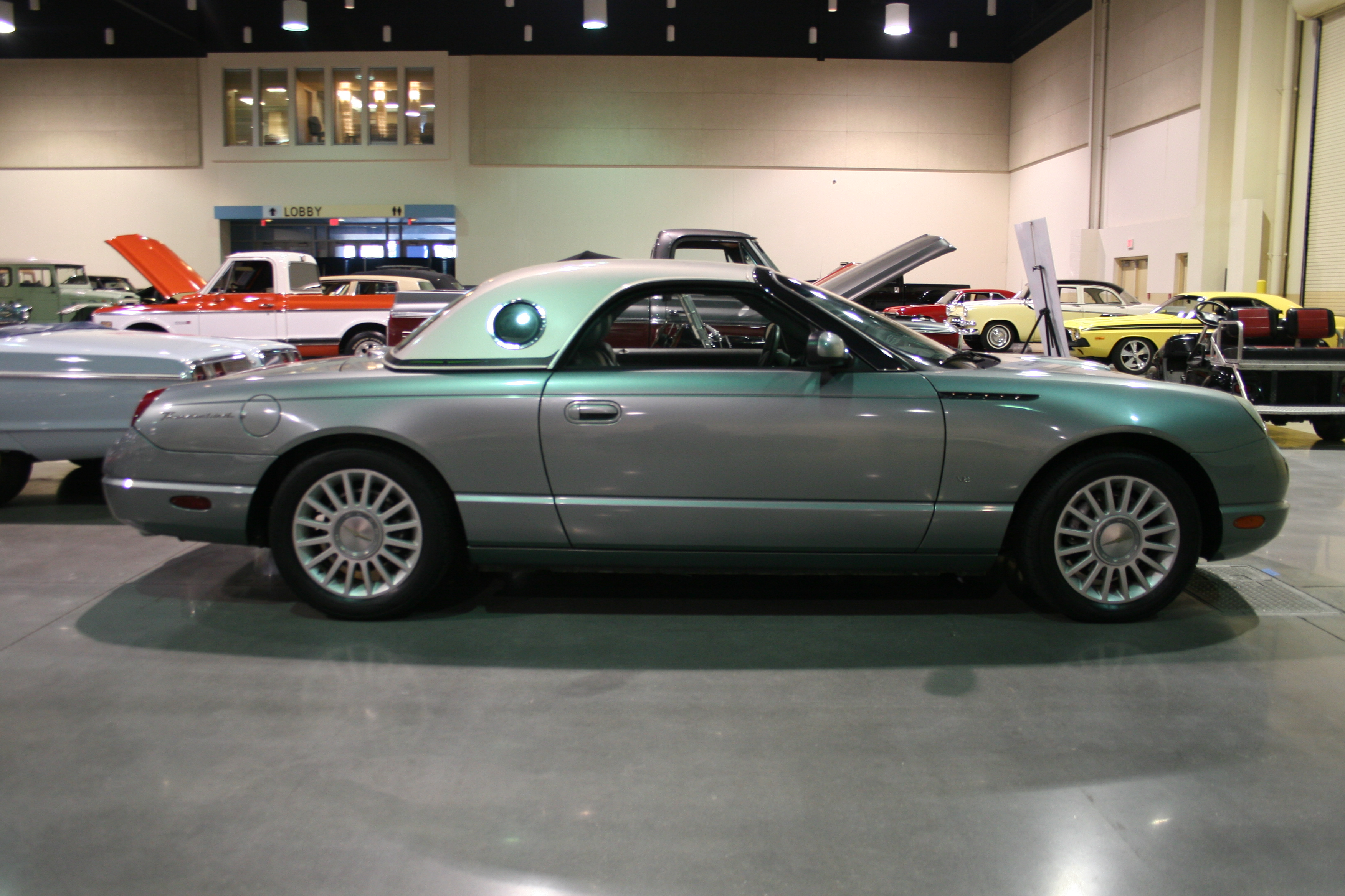 7th Image of a 2004 FORD THUNDERBIRD PACIFIC COAST ROADSTER