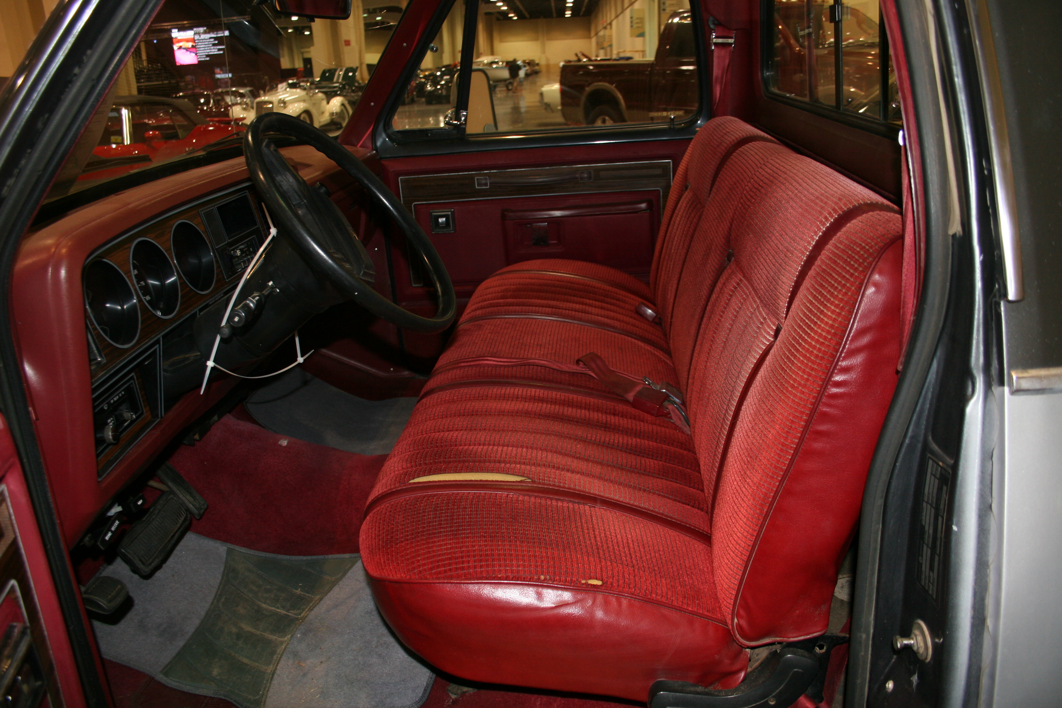 4th Image of a 1986 DODGE D150 PICKUP 1/2 TON