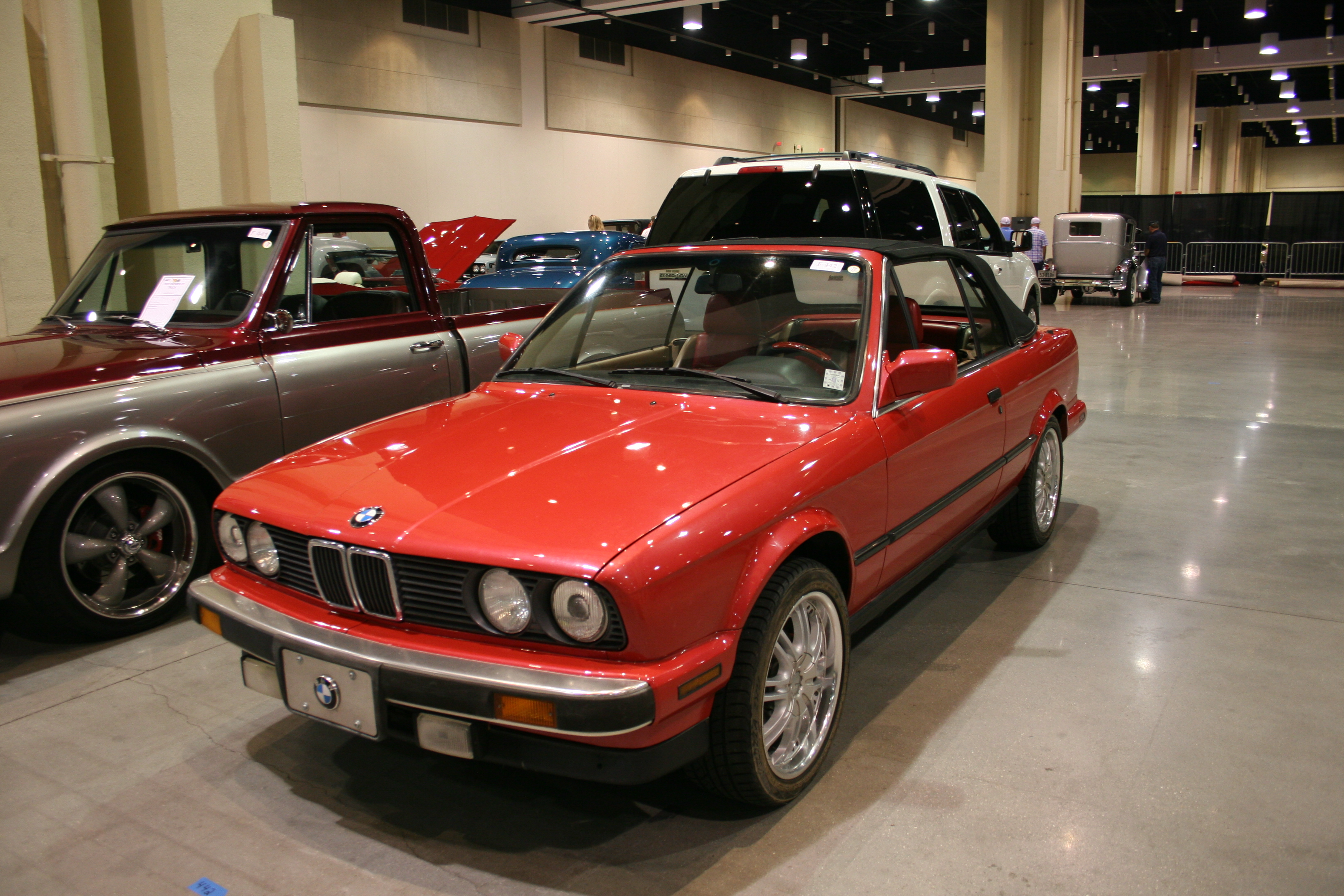 2nd Image of a 1989 BMW 3 SERIES 325I