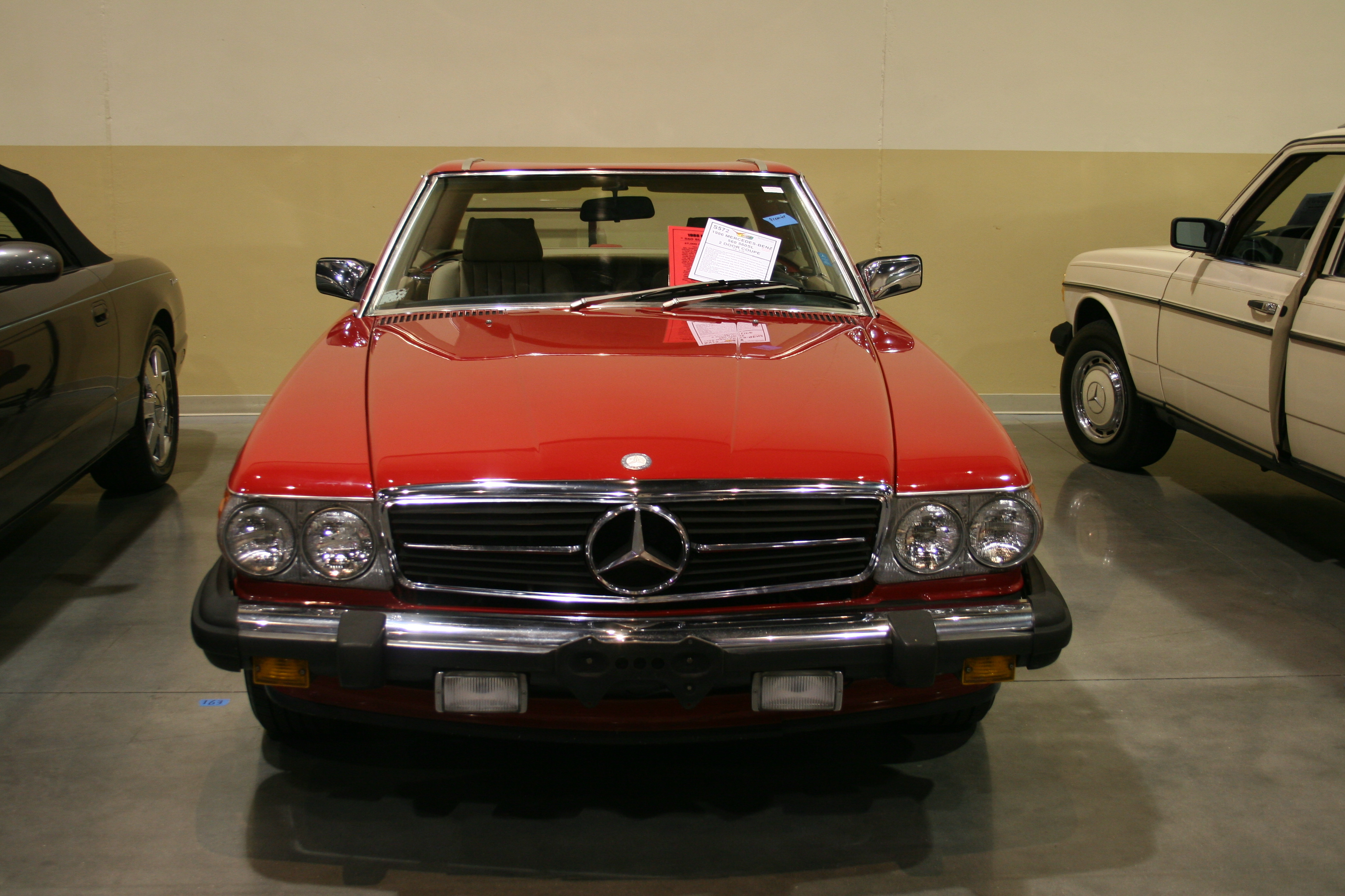 2nd Image of a 1986 MERCEDES-BENZ 560 560SL