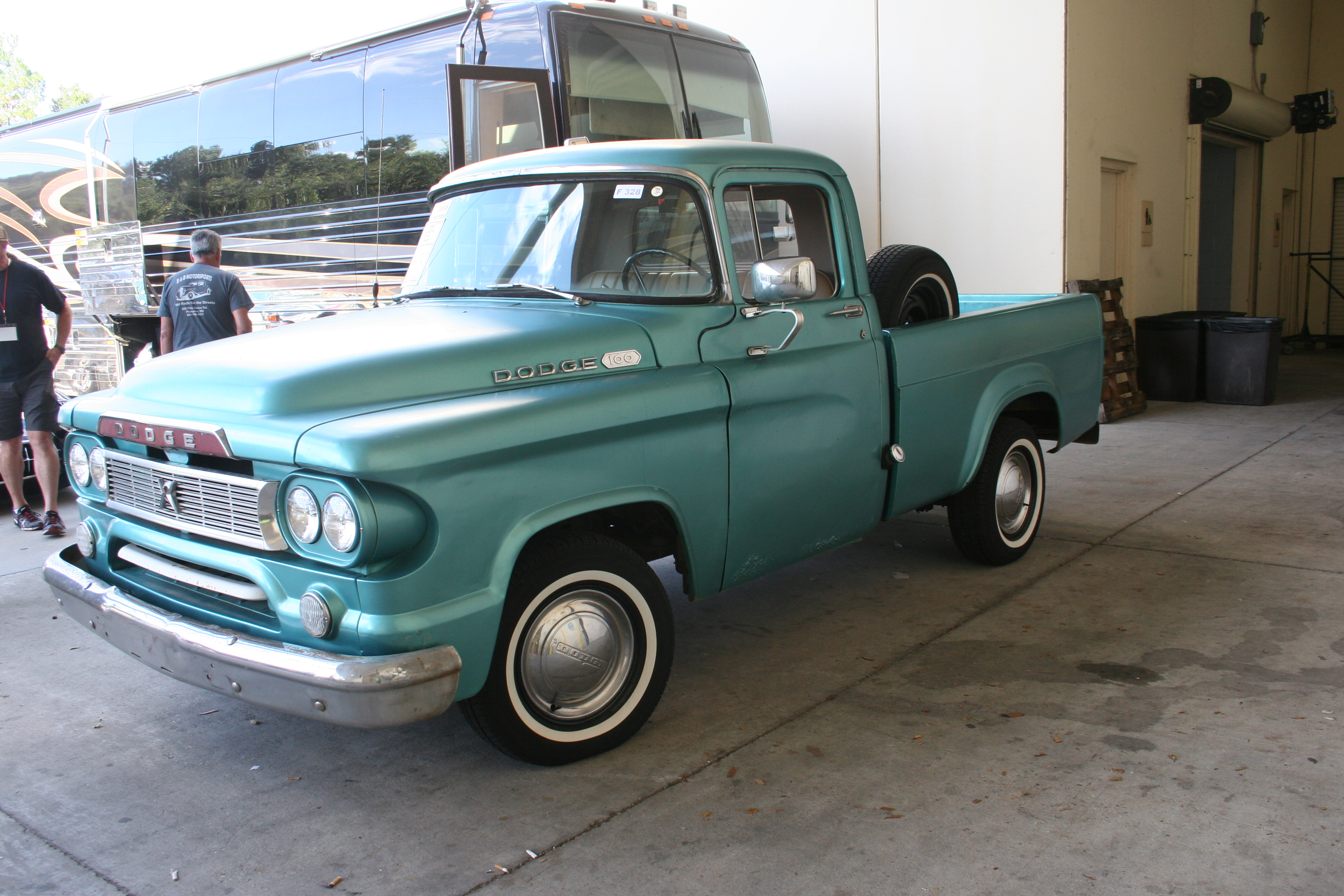 2nd Image of a 1960 DODGE D100