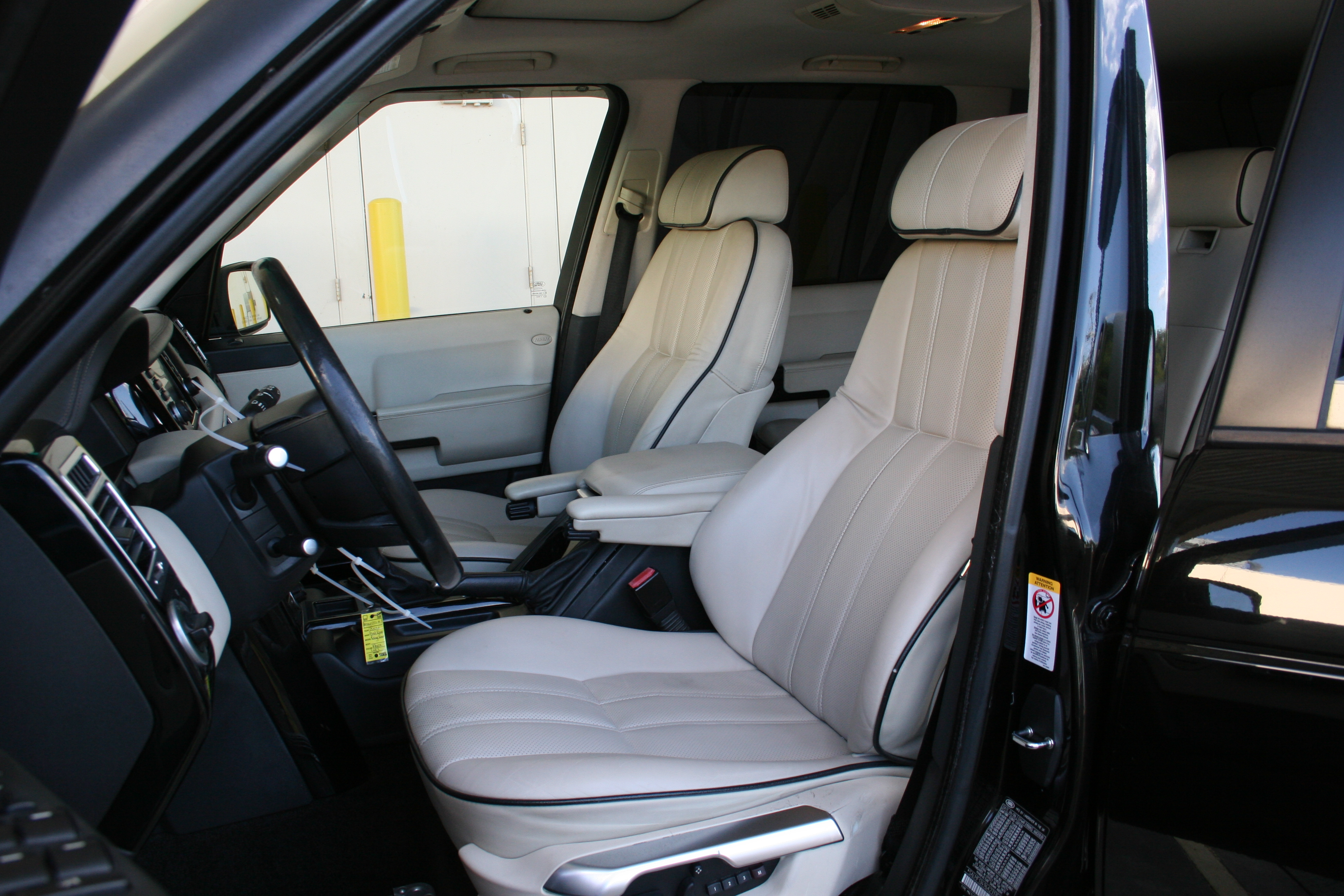 4th Image of a 2006 LAND ROVER RANGE ROVER HSE