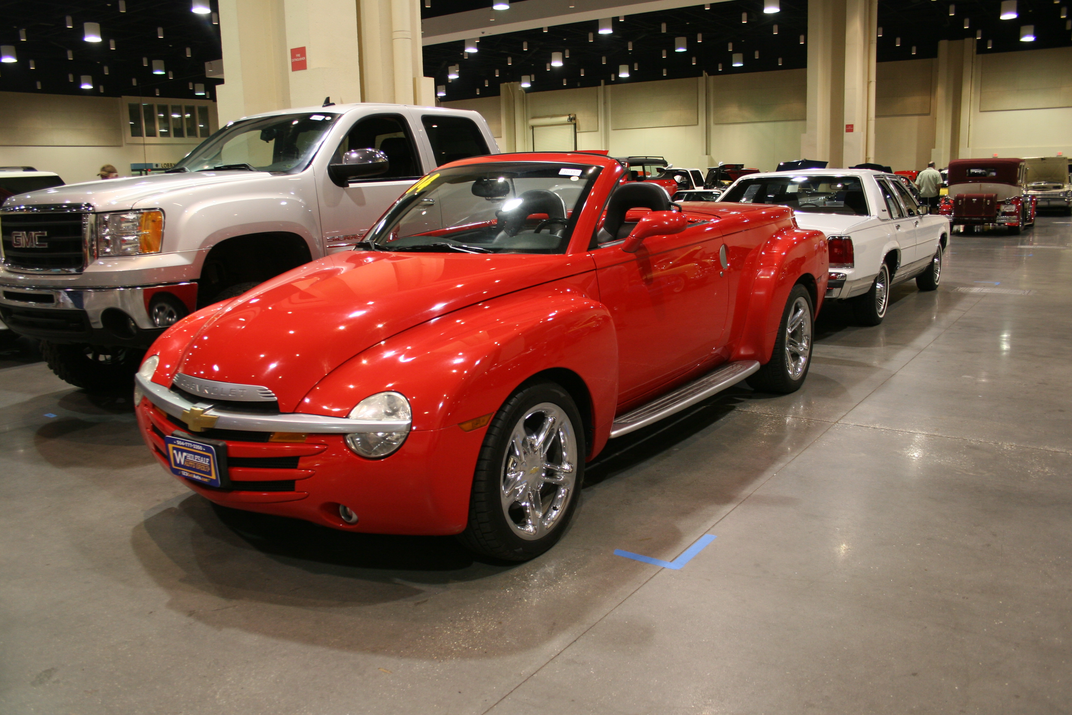 2nd Image of a 2004 CHEVROLET SSR LS